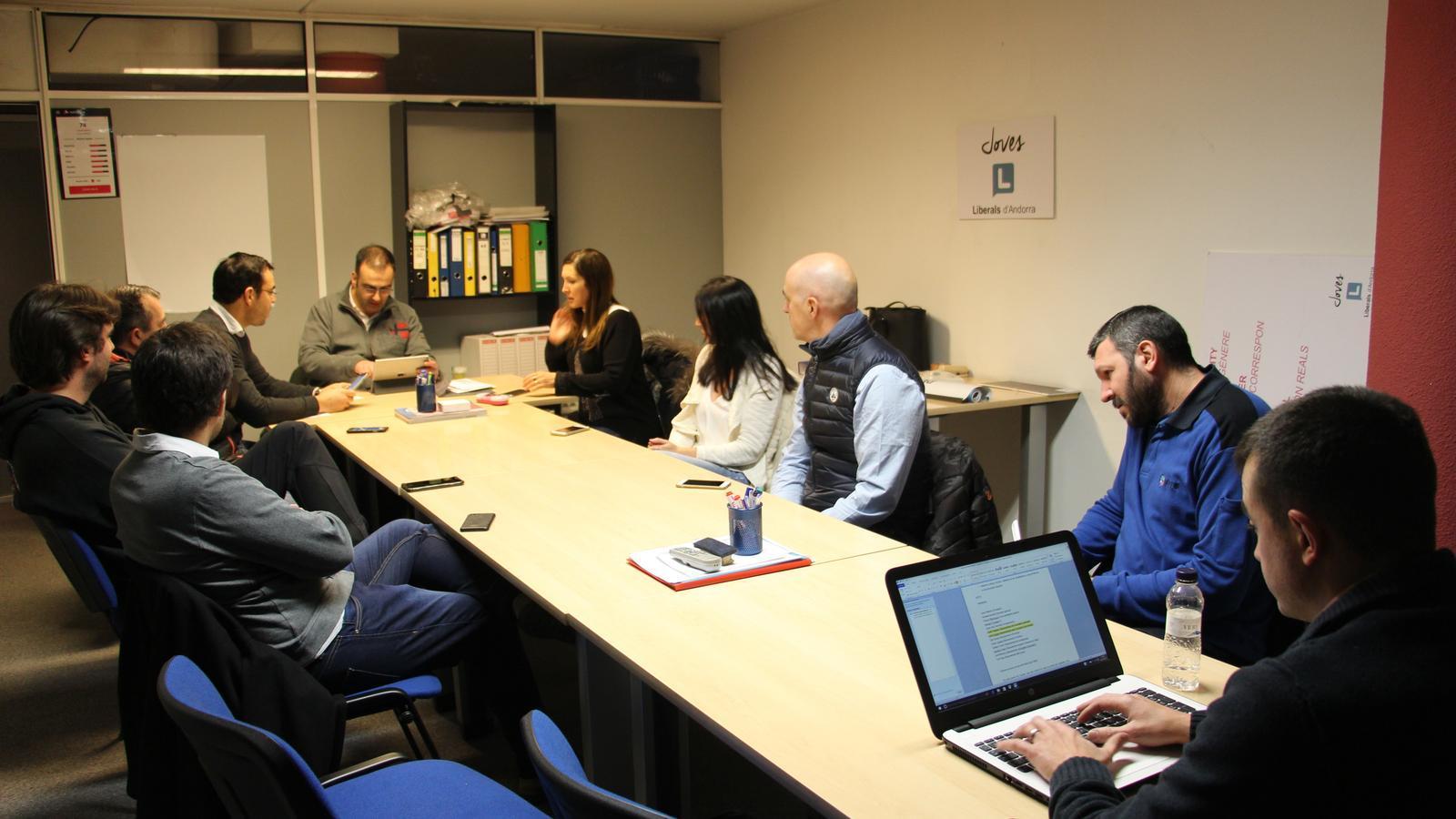 El Comitè Executiu Nacional de Liberals d'Andorra, reunit aquest divendres a la tarda. / L. M.