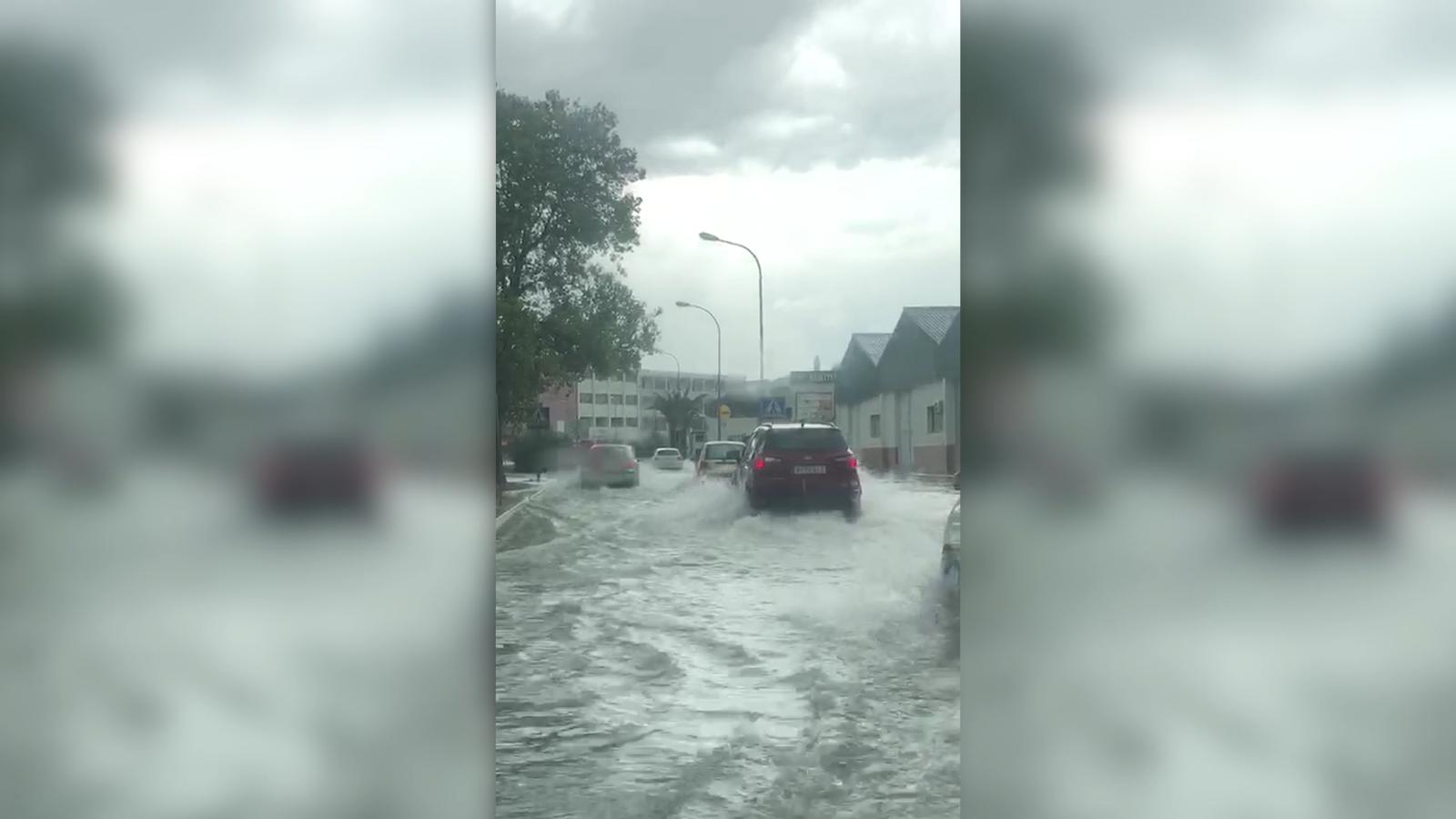 La pluja provoca importants retencions a Maó, Ciutadella i la carretera general