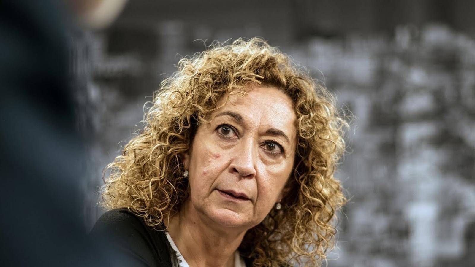 Entrevista d'Antoni Bassas a Ester Capella