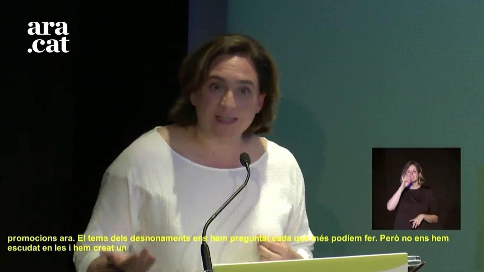 """Colau, sobre desnonaments: """"L'Ajuntament de Barcelona fa més del que li toca per competències"""""""