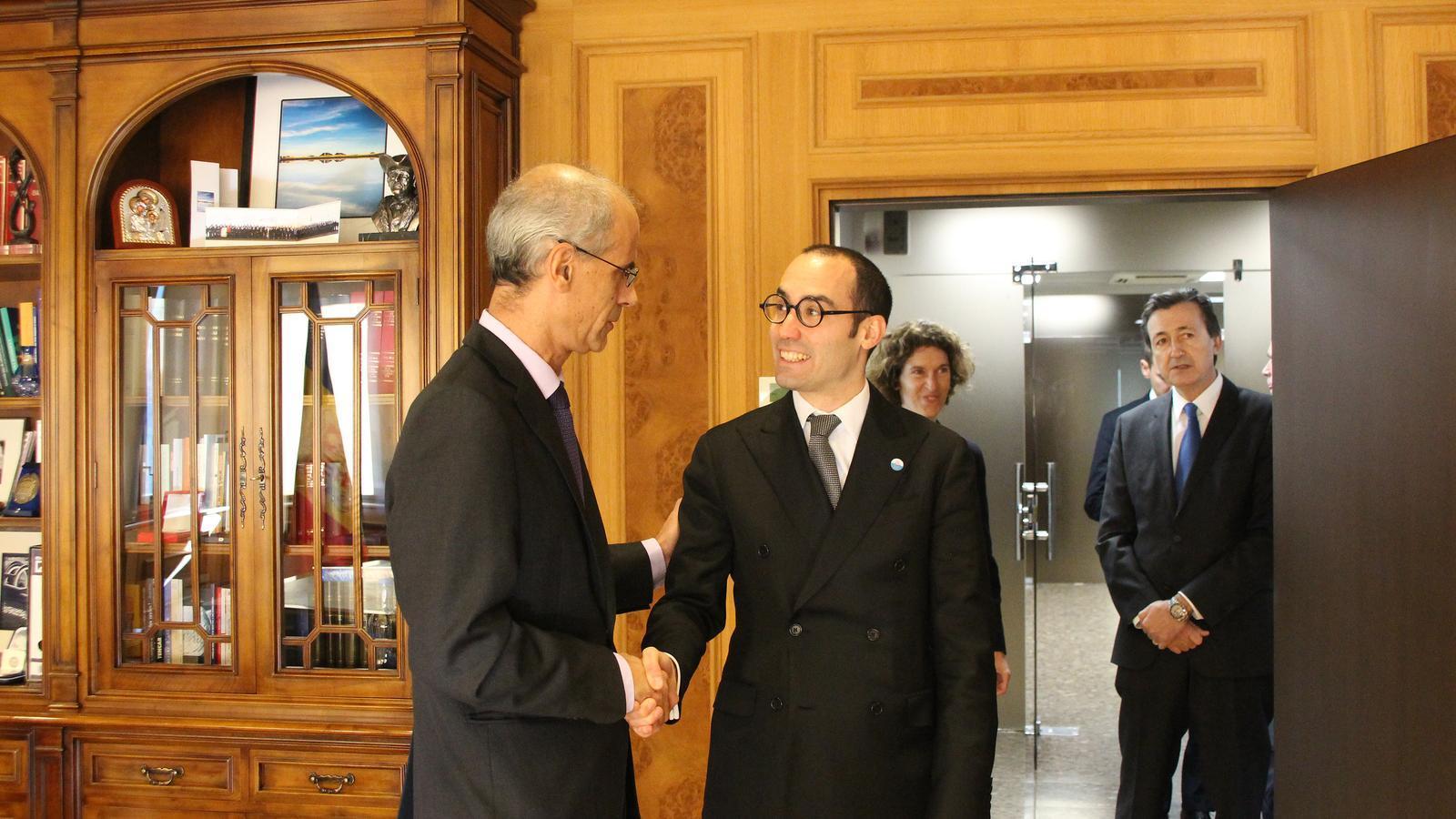 La trobada del cap de Govern, Toni Martí, amb el secretari d'Estat d'Afers Exteriors, Afers Polítics i de la Justícia de San Marino, Nicola Renzi. / M. F. (ANA)