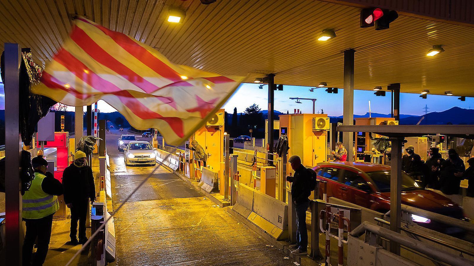 L'amenaça de Sánchez d'enviar la policia i l'operatiu antidroga a Barcelona i l'àrea metropolitana, entre les notícies del dia