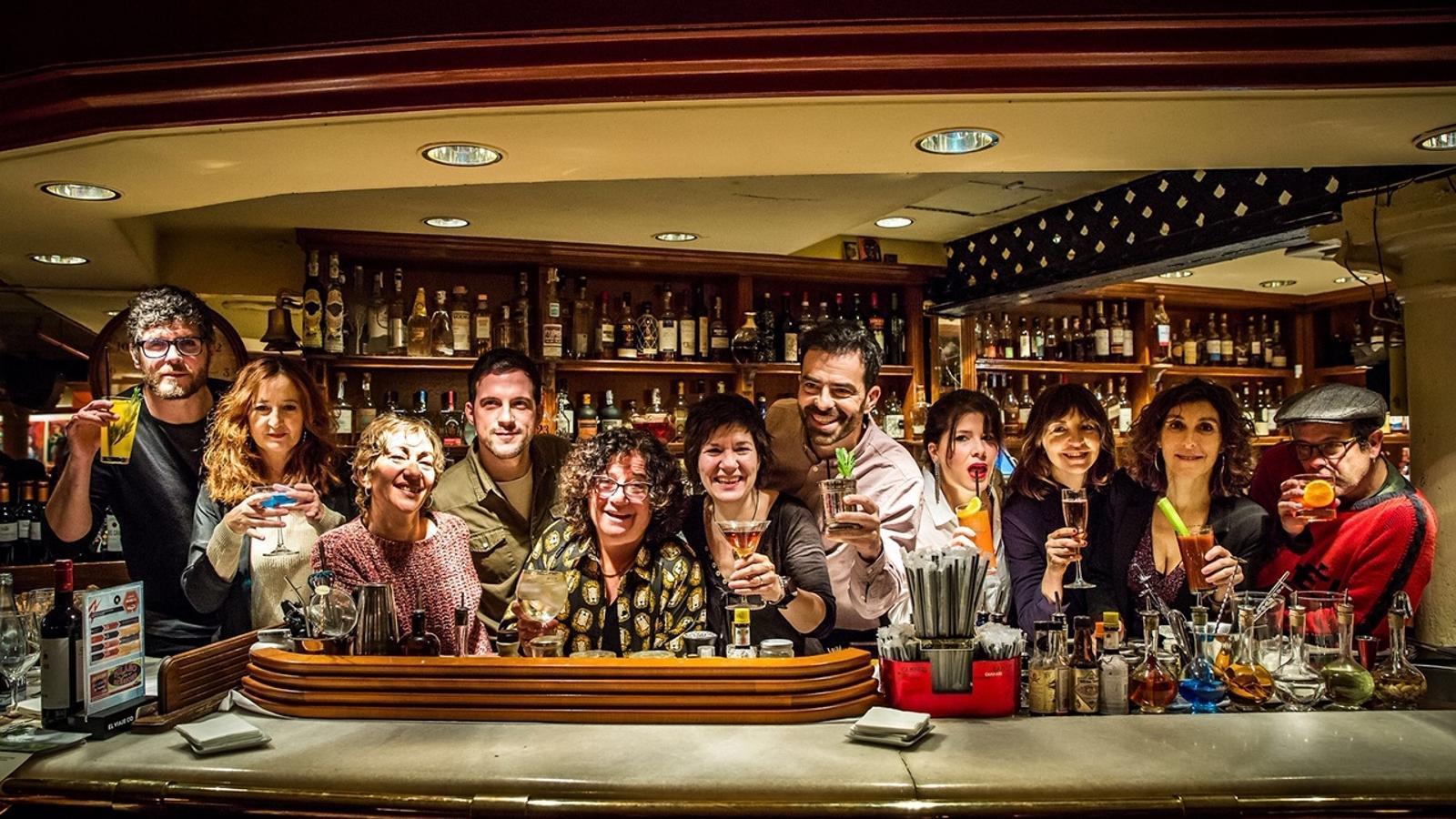 L'equip de 'T'estimo si he begut' al Campari Milano Bar de Barcelona durant la presentació de l'espectacle