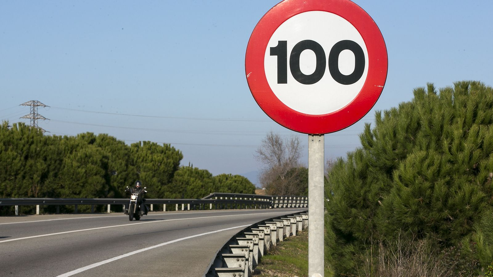 unglaubliche Preise moderate Kosten neues Design La velocitat a les carreteres secundàries baixarà a 90 km/h ...