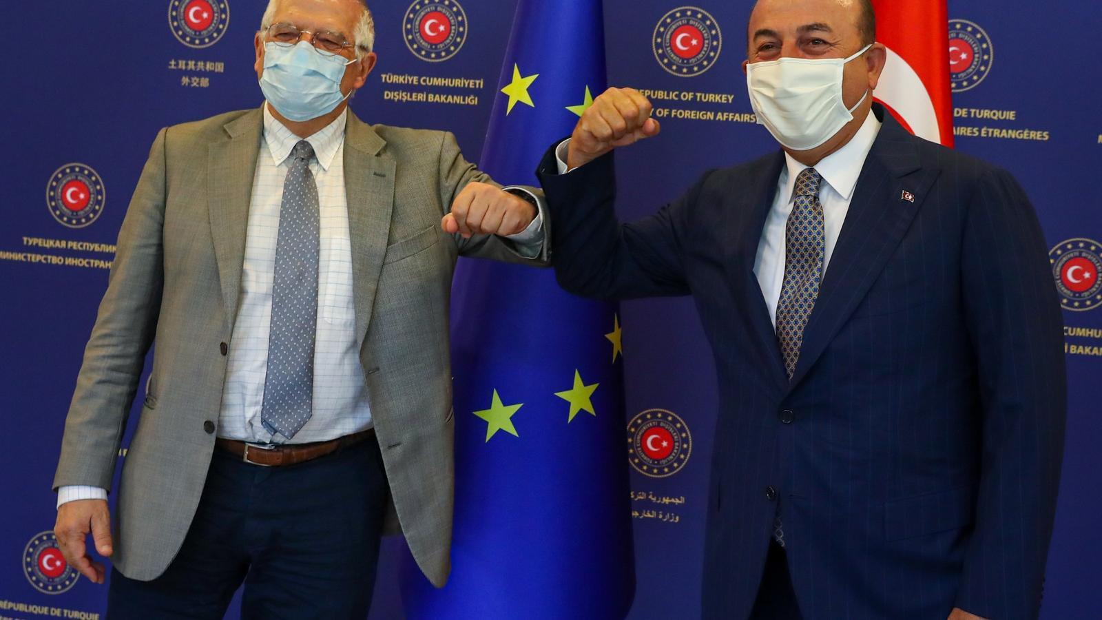 L'Alt Representant de la UE, Josep Borrell, amb el ministre turc d'Exteriors, Mevlut Cavusoglu.