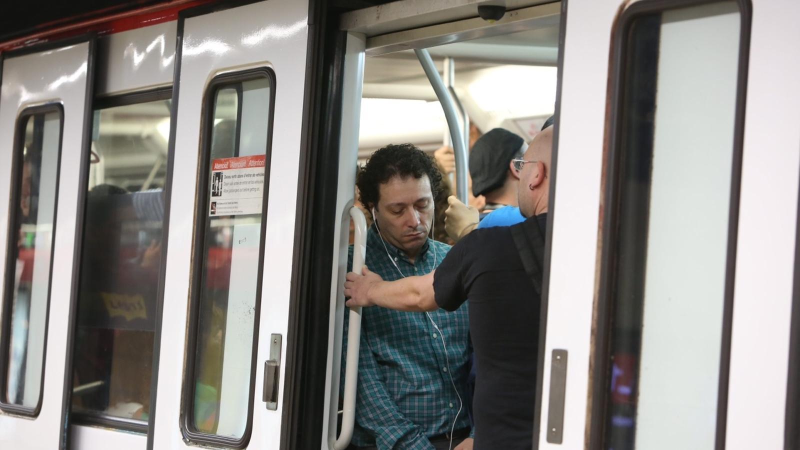 """Pisarello: """"Només cal una mica de voluntat de totes les parts per acabar amb la vaga del metro"""""""