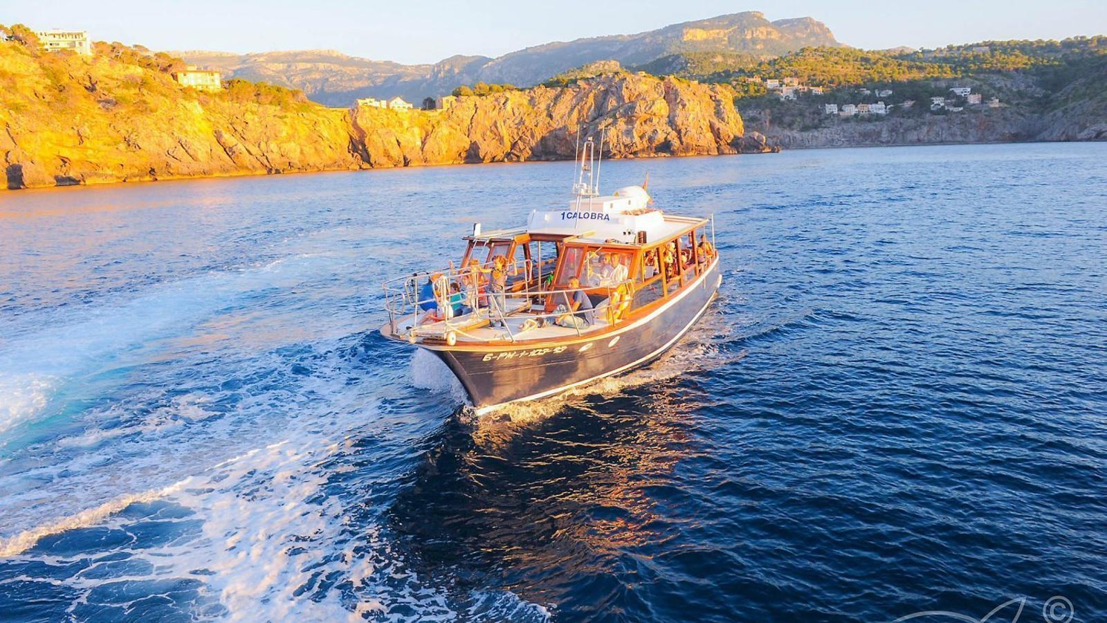 La història de la transformació turística a través d'una barca