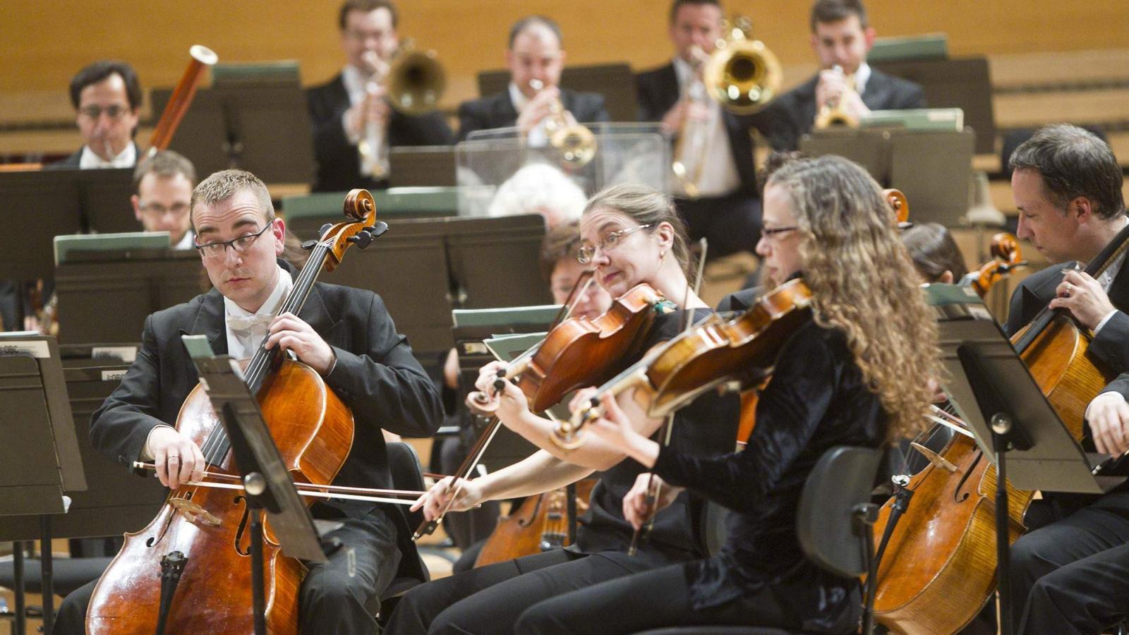 L'OBC es va lliurar de ple tant en la interpretació de la peça de Palomar com en les de Rakhmàninov i Gerhard . / JORDI PIZARRO