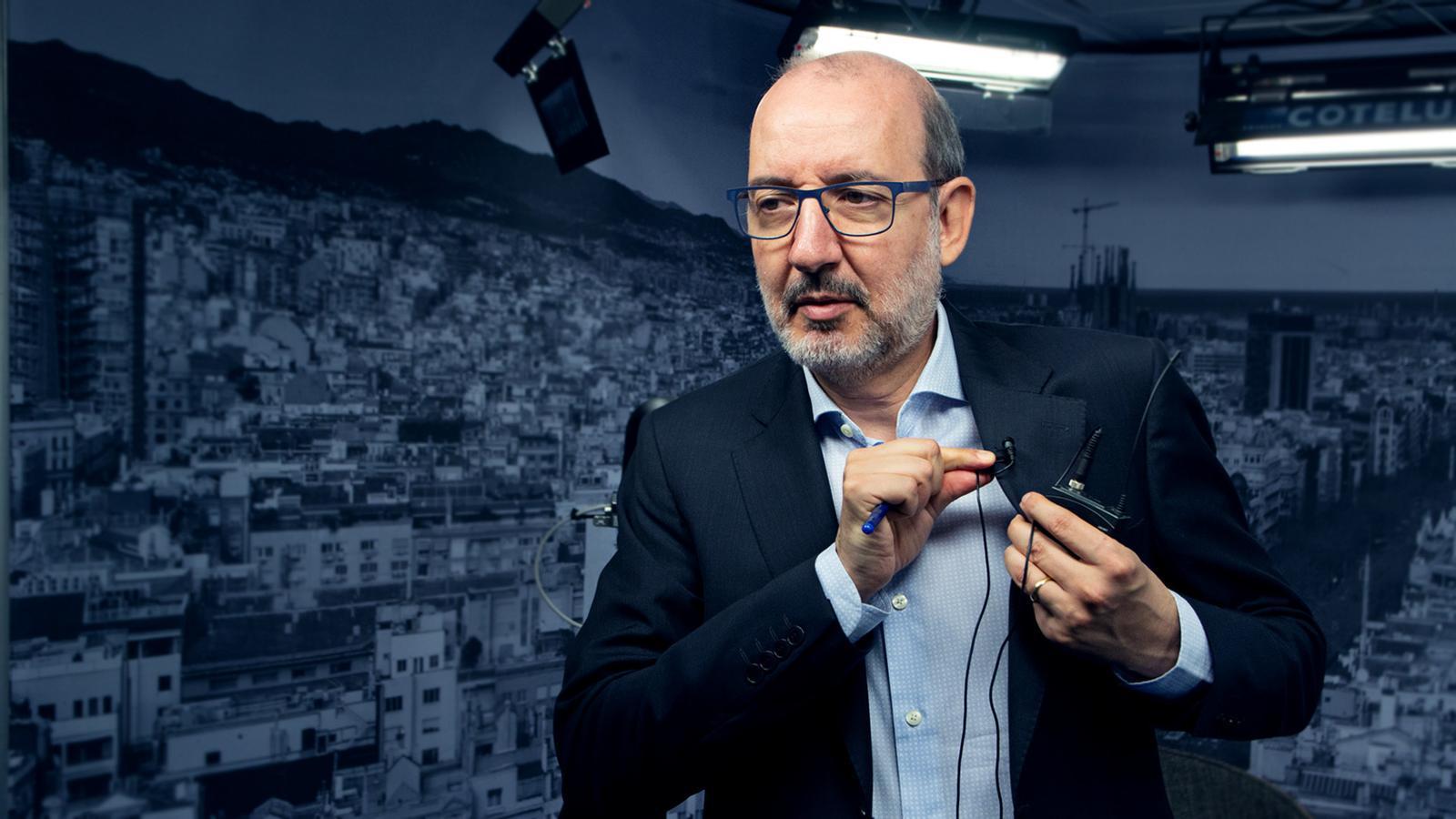 L'anàlisi d'Antoni Bassas: 'Festa pels presos a Palafrugell i el 'Cuéntame' de Casado'