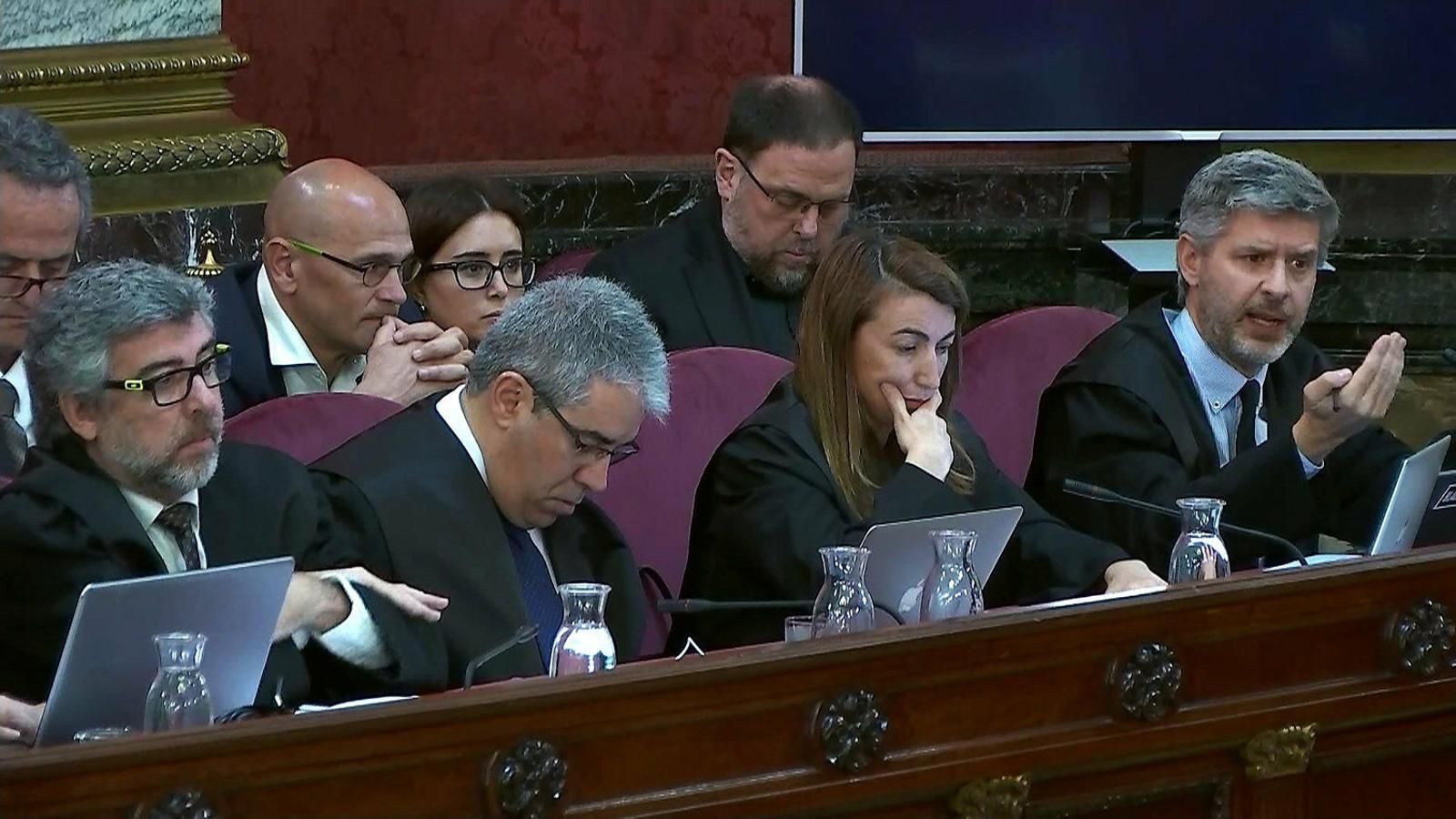 Andreu Van den Eynde, advocat d'Oriol Junqueras i Raül Romeva, intervenint ahir a la sessió del judici del Procés al Tribunal Suprem.