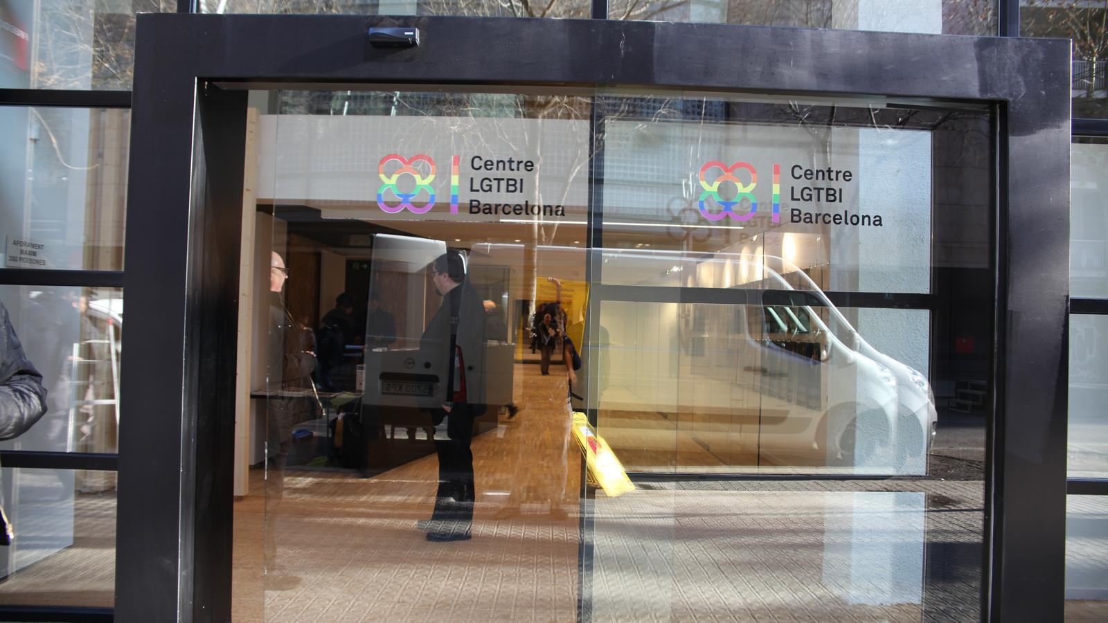 Barcelona inaugura el primer Centre LGTBI de Catalunya