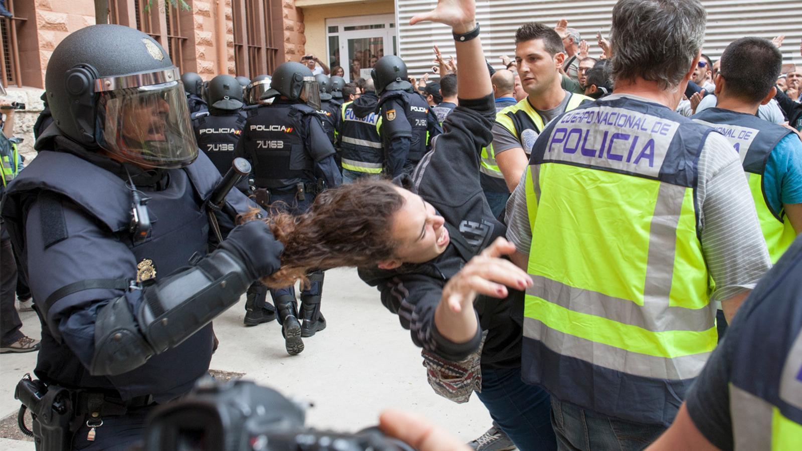 L'anàlisi d'Antoni Bassas: 'El Suprem diu que la policia protegia els col·legis. I així, tot'