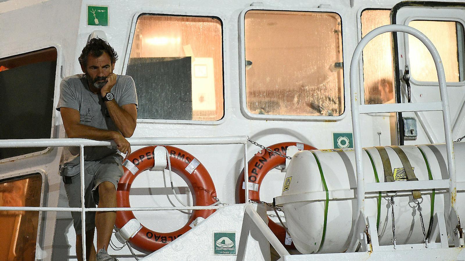 """Oscar Camps: """"L''Open Arms' no torna a Espanya:  el pla és continuar amb els rescats"""""""