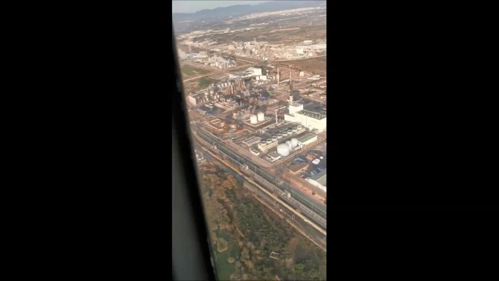 Imatge aèria de la fàbrica de Canonja on s'ha produït l'explosió