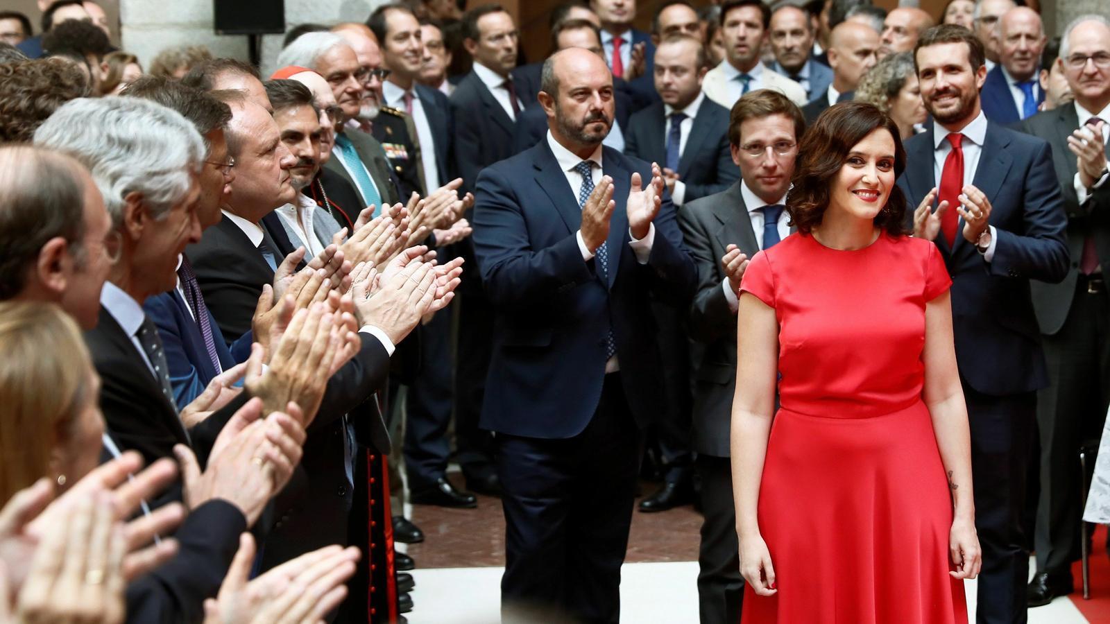 La nova presidenta de la Comunitat de Madrid, Isabel Díaz Ayuso, durant l'acte de presa de possessió del càrrec.