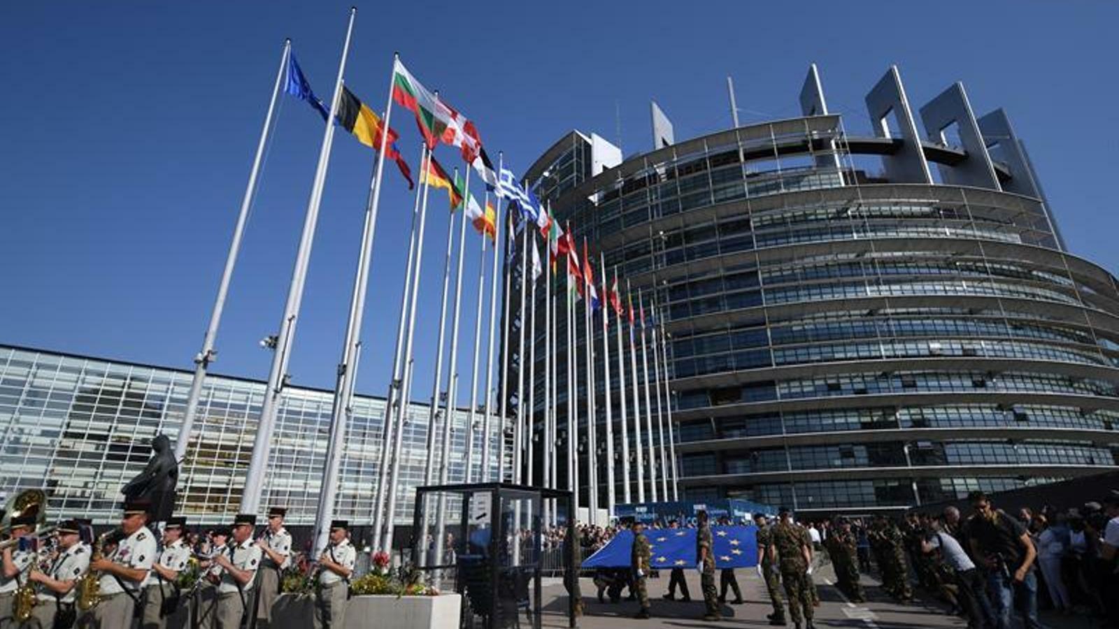 Arrenca la sessió constitutiva del Parlament Europeu amb l'absència de Puigdemont, Comín i Junqueras