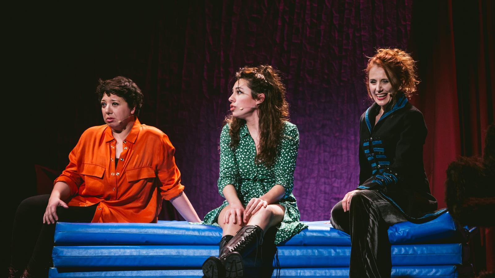 Meritxell Huertas, Aina Quiñones i Alícia González Laá interpreten els 'Monólogos de la vagina'