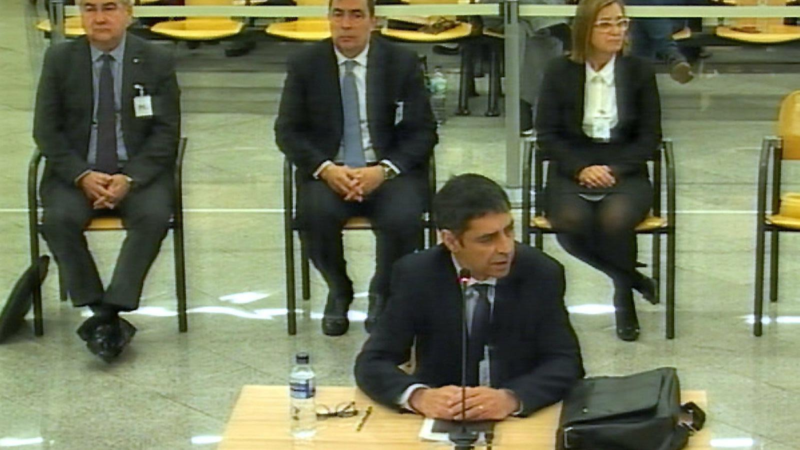 El major dels Mossos, Josep Lluís Trapero, durant la seva declaració a l'Audiència.