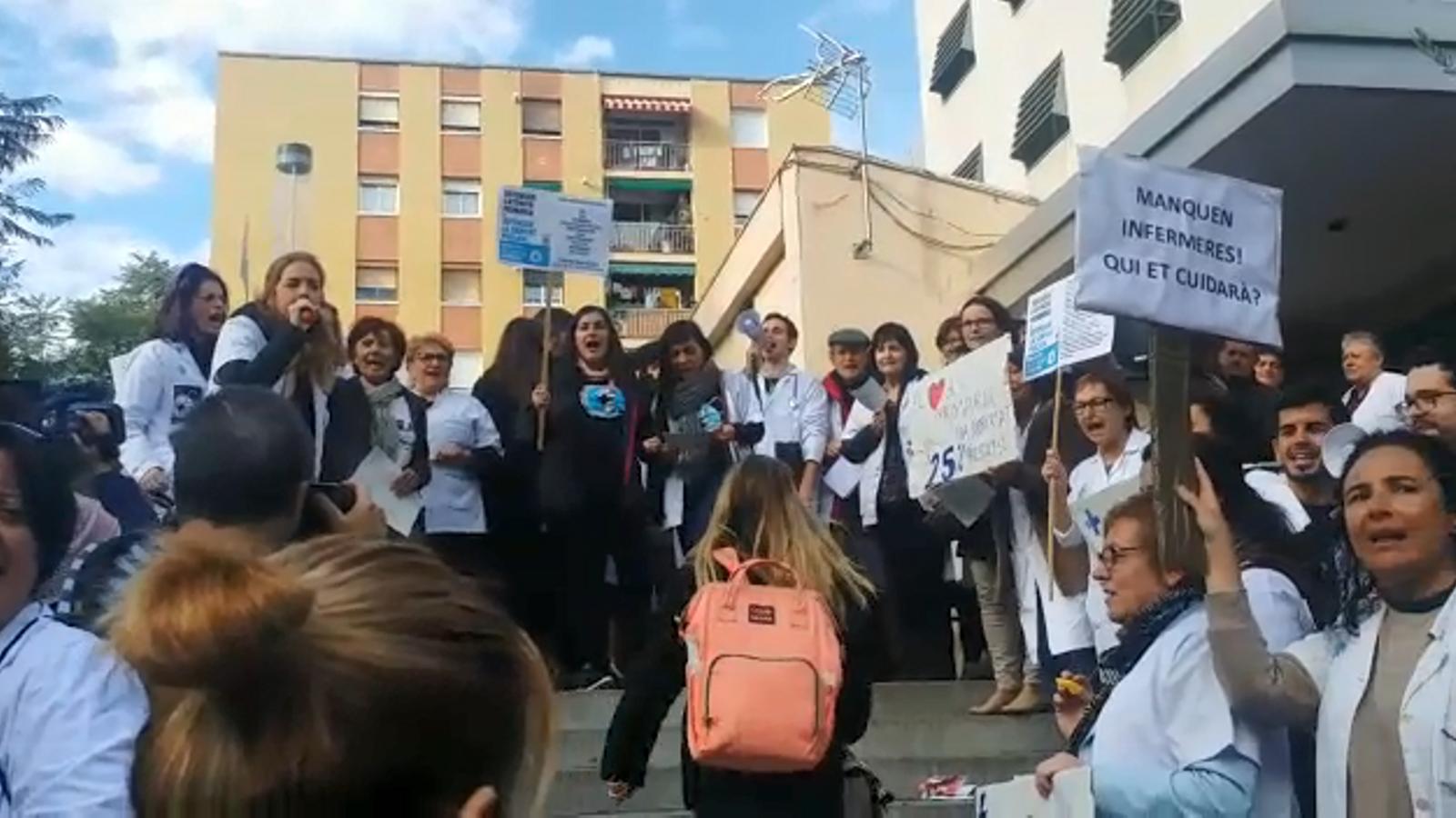 La sanitat concertada i una vintena de CAP de l'ICS continuen de vaga