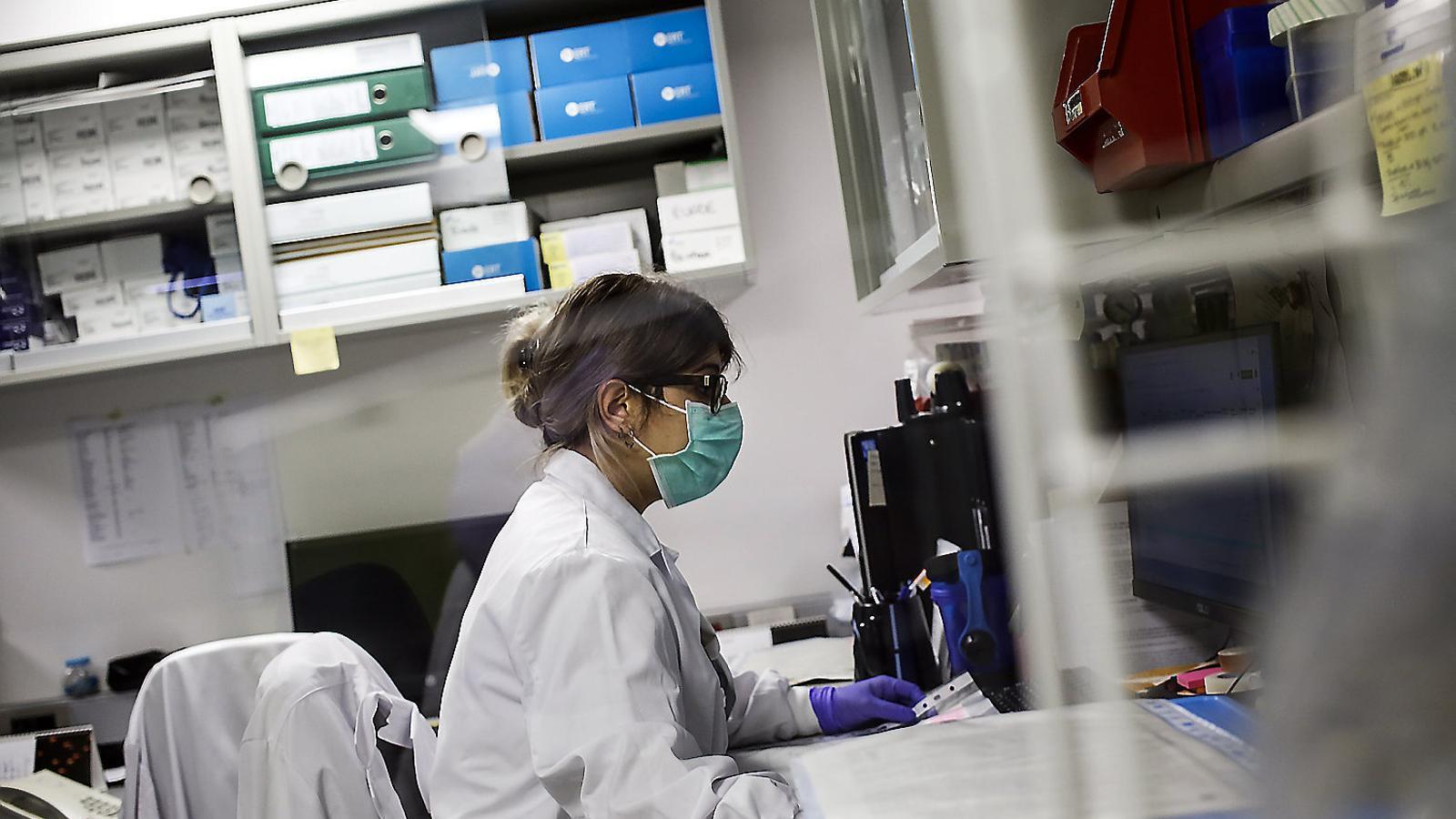 Sanitat registra 156 contagis nous en les últimes 24 hores i 32 morts en els darrers 7 dies