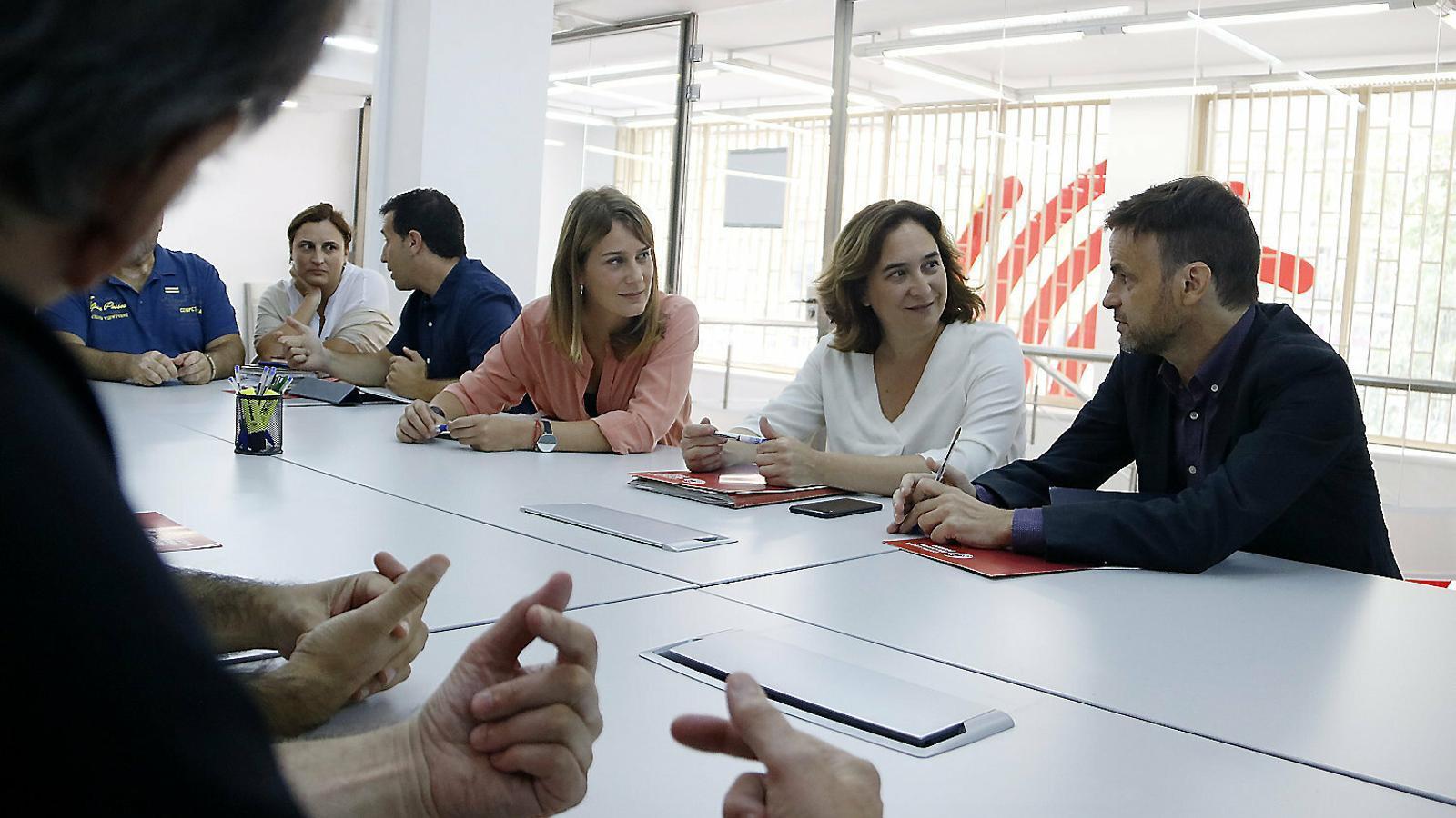 Els comuns aspiren a forçar un canvi d'aliances a la Generalitat