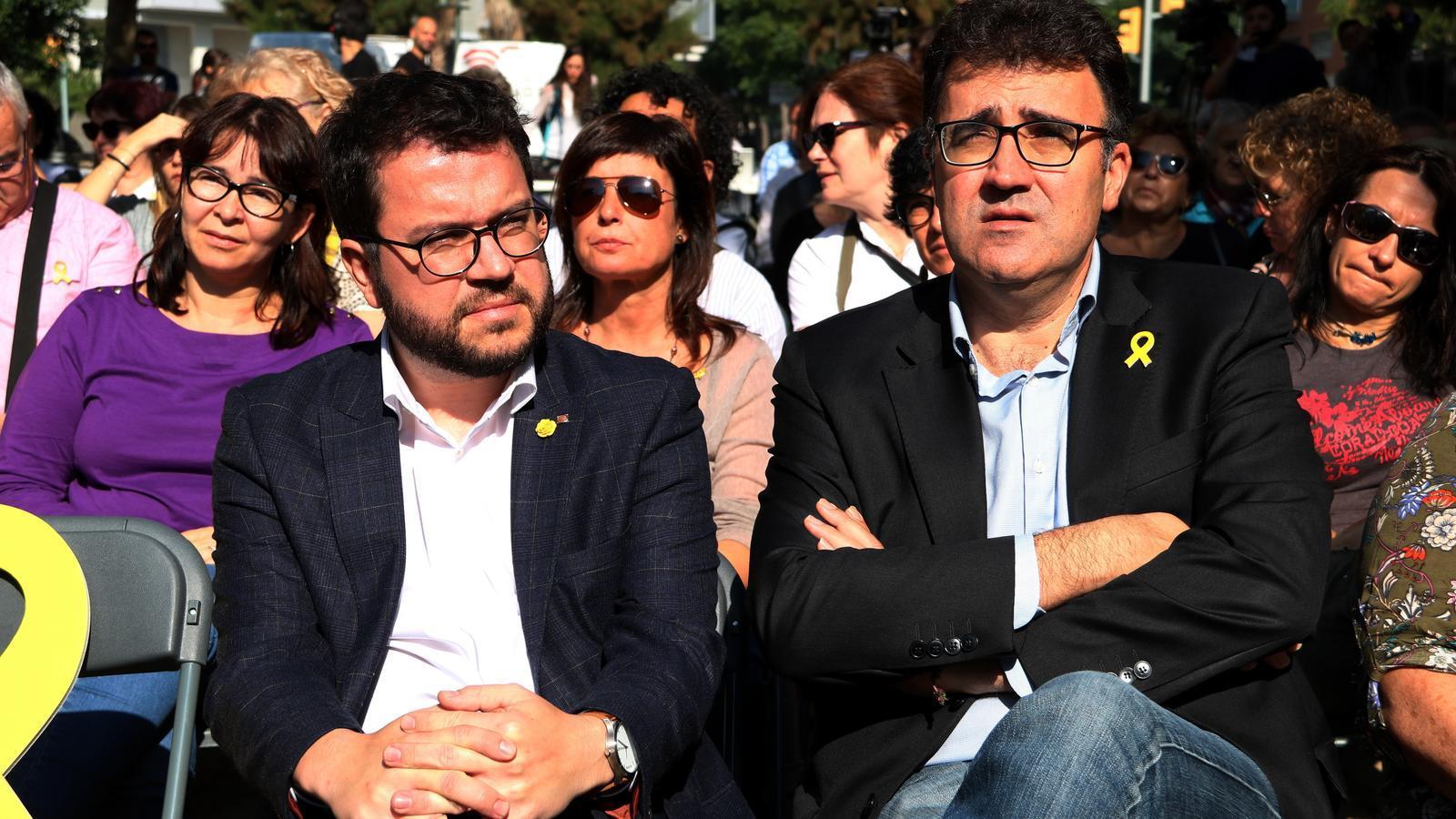 El vicepresident del govern, Pere Aragonès, i el secretari general d'ERC, Lluís Salvadó, en l'acte d'inici de la campanya 'Ciutats republicanes, ciutats de progrés' a Tarragona