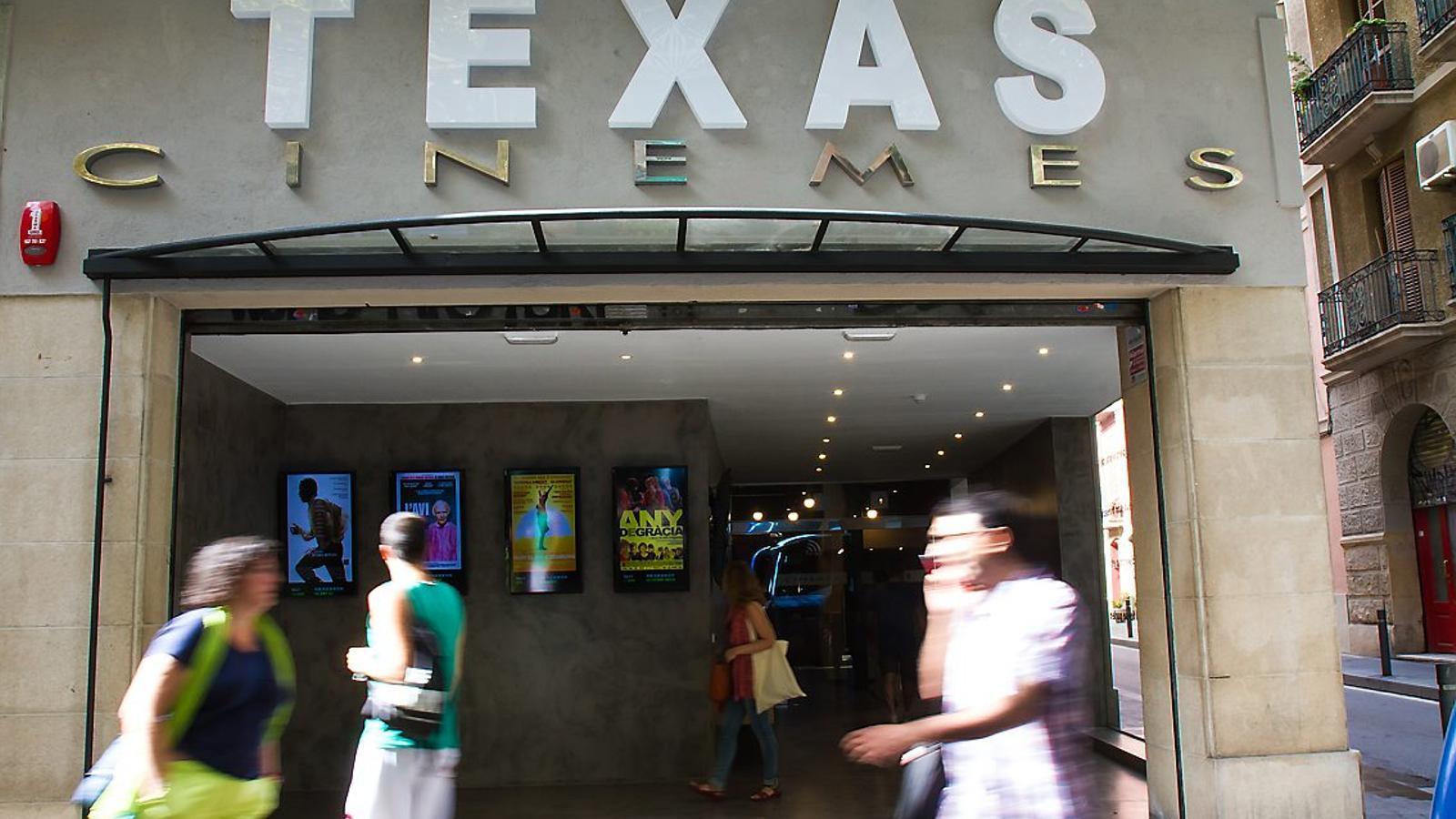 La façana dels nous Cinemes Texas, que obriran al públic el dijous 18 de setembre.