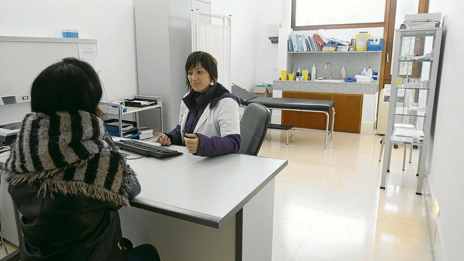 La precarietat assetja l'atenció sanitària del Pla i el Llevant