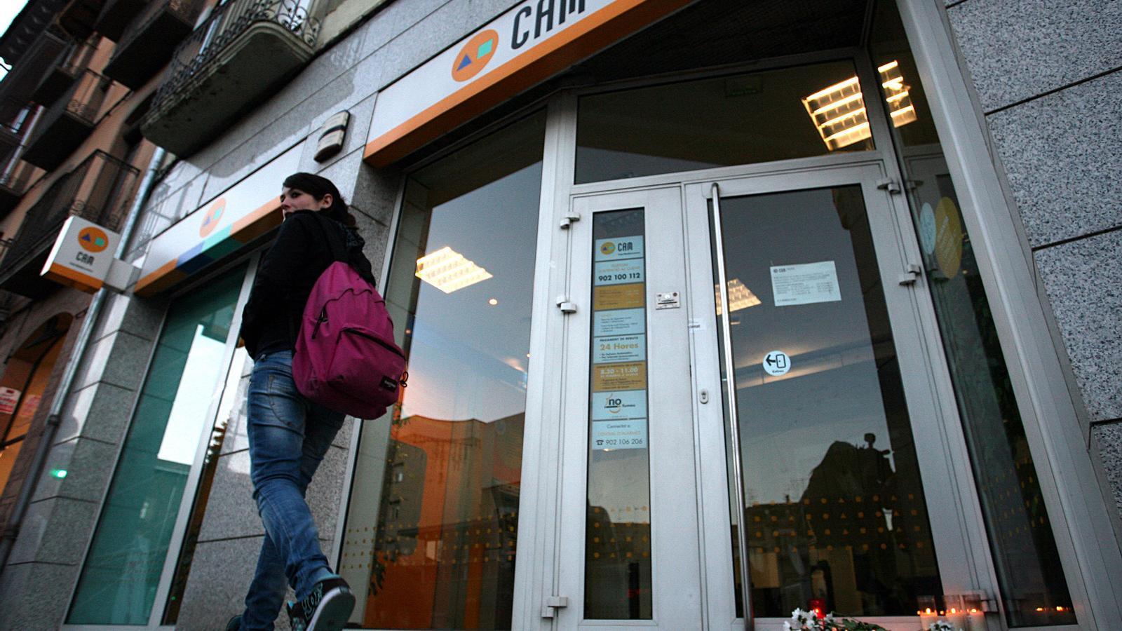 El sabadell pacta acomiadaments a la cam for Sabadell cam oficinas