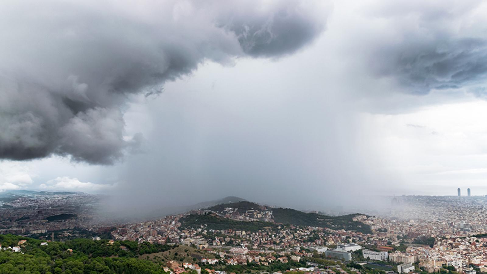 Protecció Civil activa el pla Inuncat davant una tarda de possibles tempestes fortes