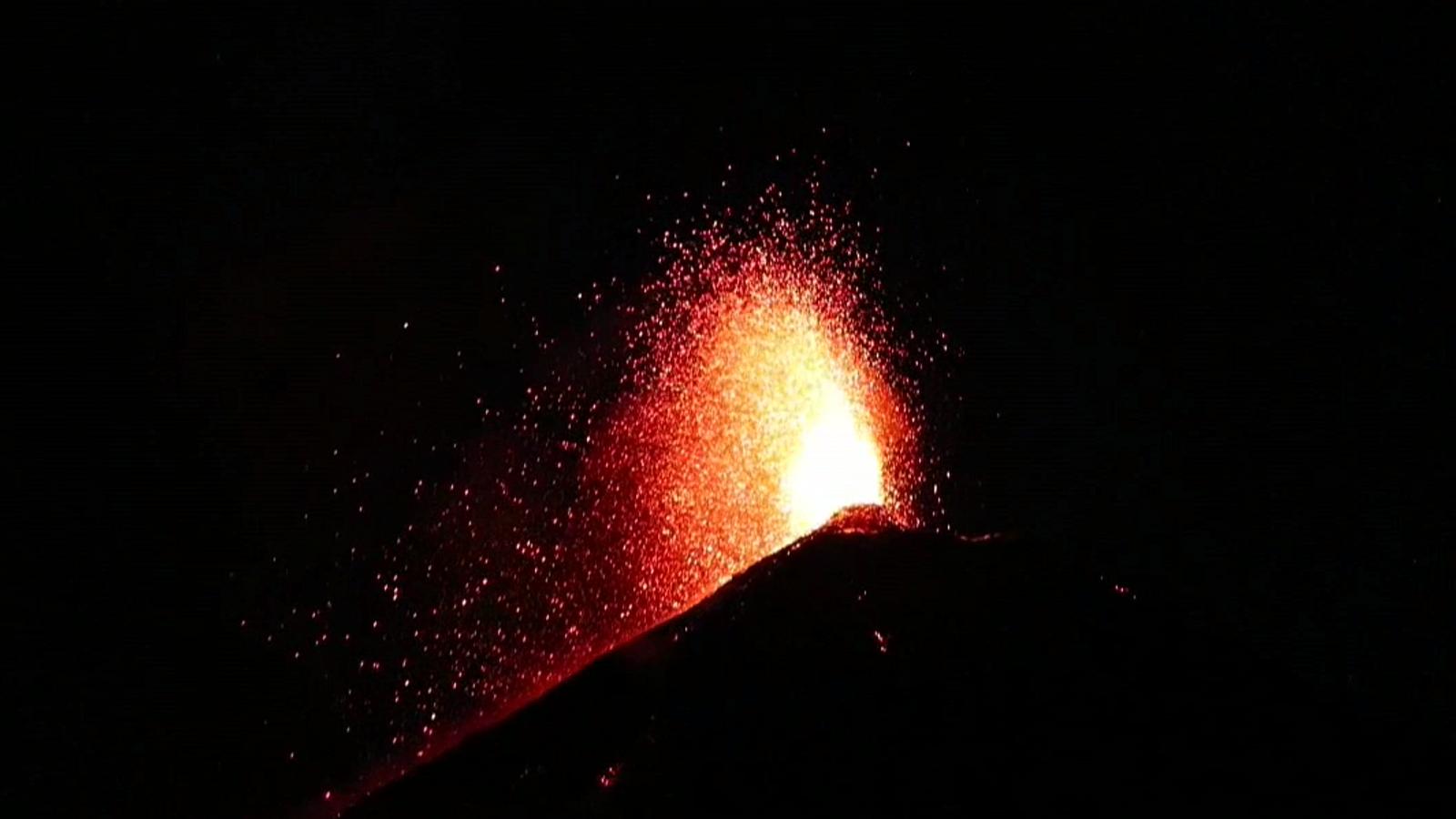 Una nova erupció del volcà Fuego a Guatemala.