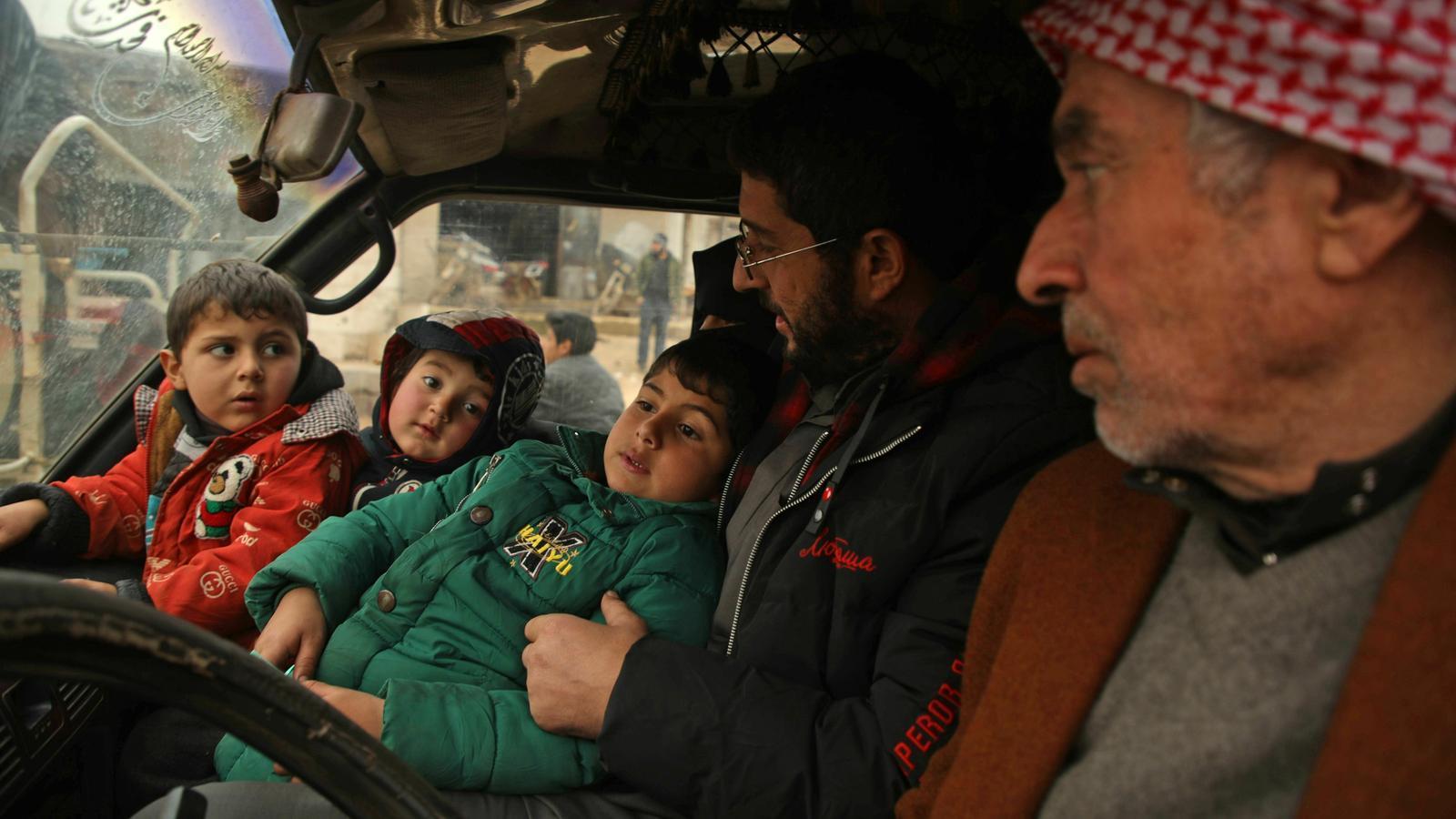"""Atrapats sota les bombes a Idlib: """"La humanitat ha mort, o l'han assassinada, a Síria. No tenim on fugir"""""""