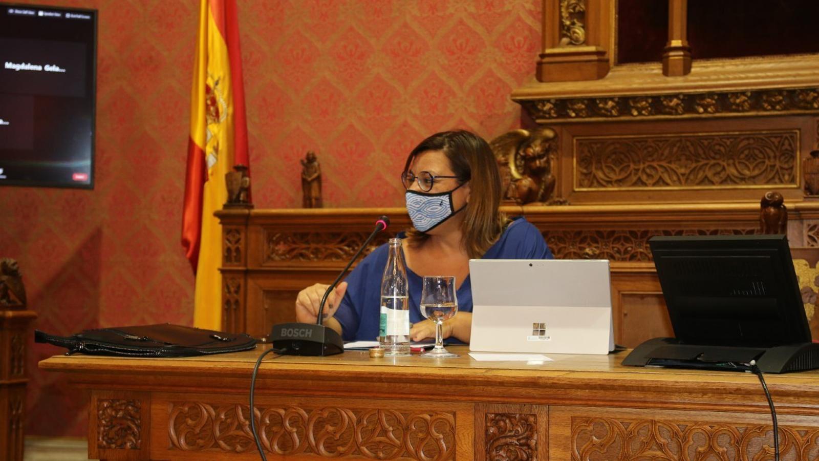 Bel Busquets durant el ple del Consell de Mallorca. / MÉS