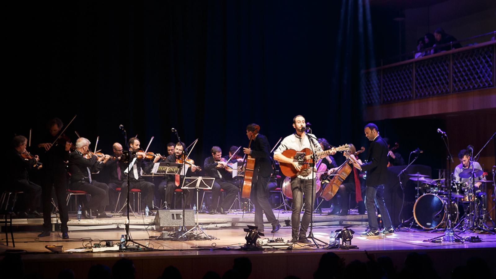 L'actuació de l'ONCA i Blaumut al Festival Narciso Yepes. / SERGI PÉREZ PHOTO