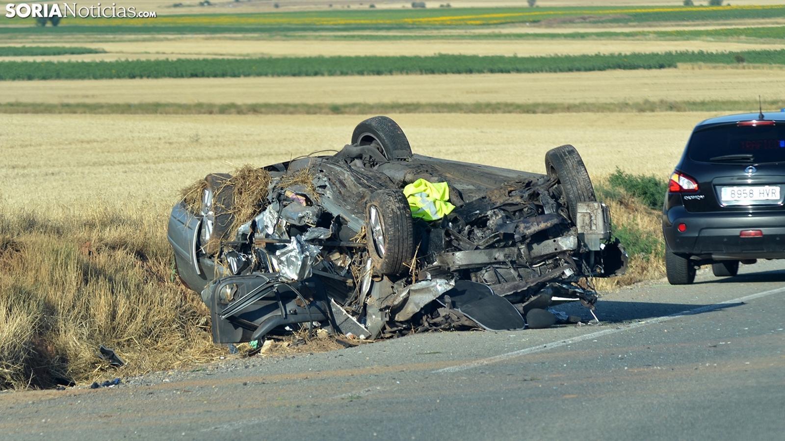 Estat en el que ha quedat el vehicle després de l'accident. / SORIA NOTICIAS