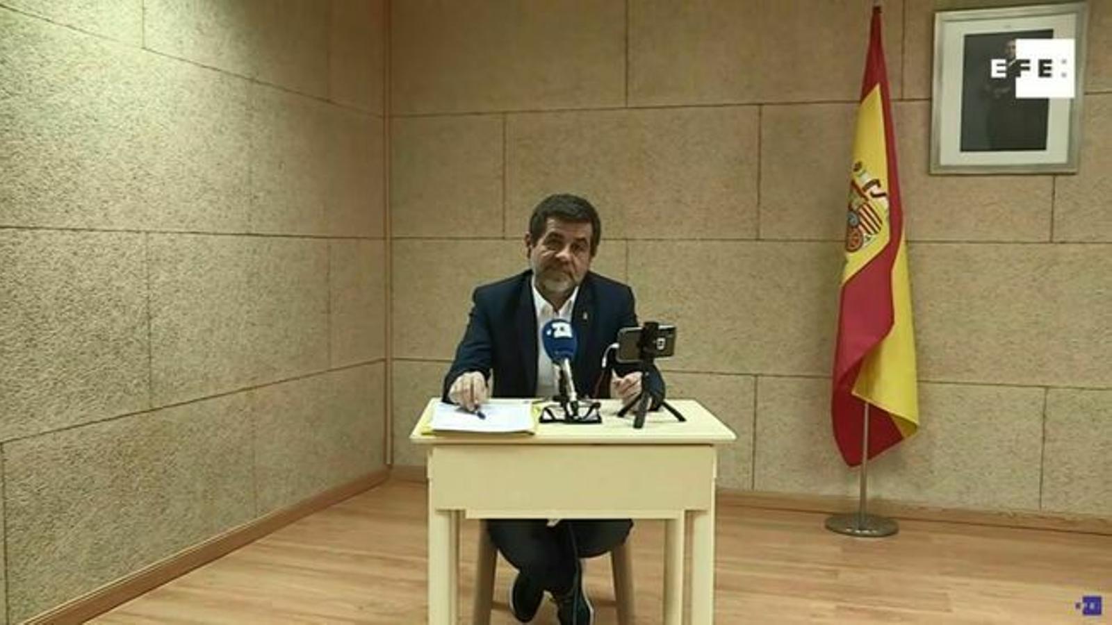 Jordi Sànchez s'ofereix com a soci estable del PSOE si accepta parlar del referèndum