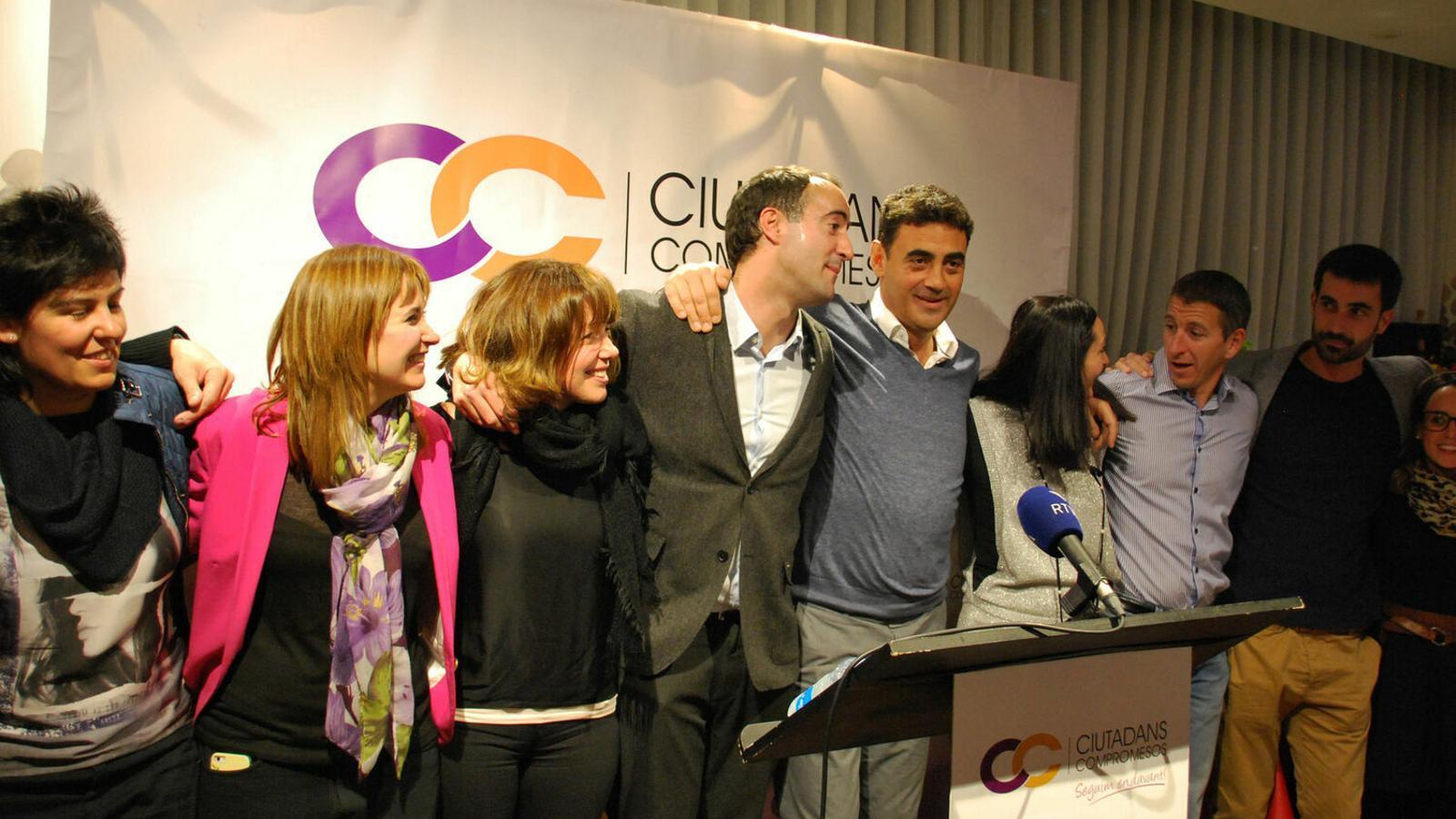 La candidatura de Ciutadans Compromesos celebra la victòria a les darreres eleccions comunals. / ANA