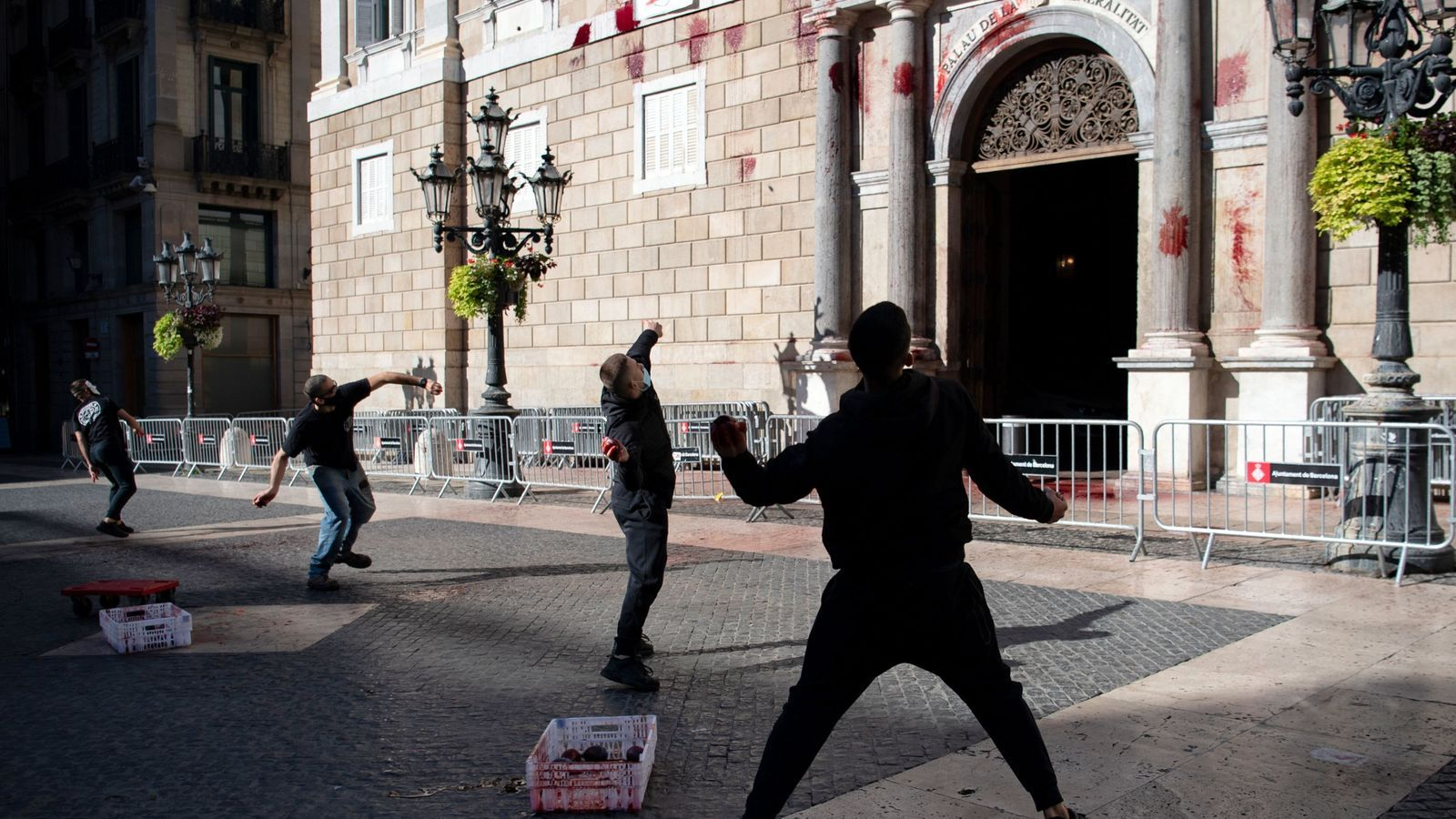 "Interior ve ""riesgo serio"" de ataques a varios edificios del Govern"