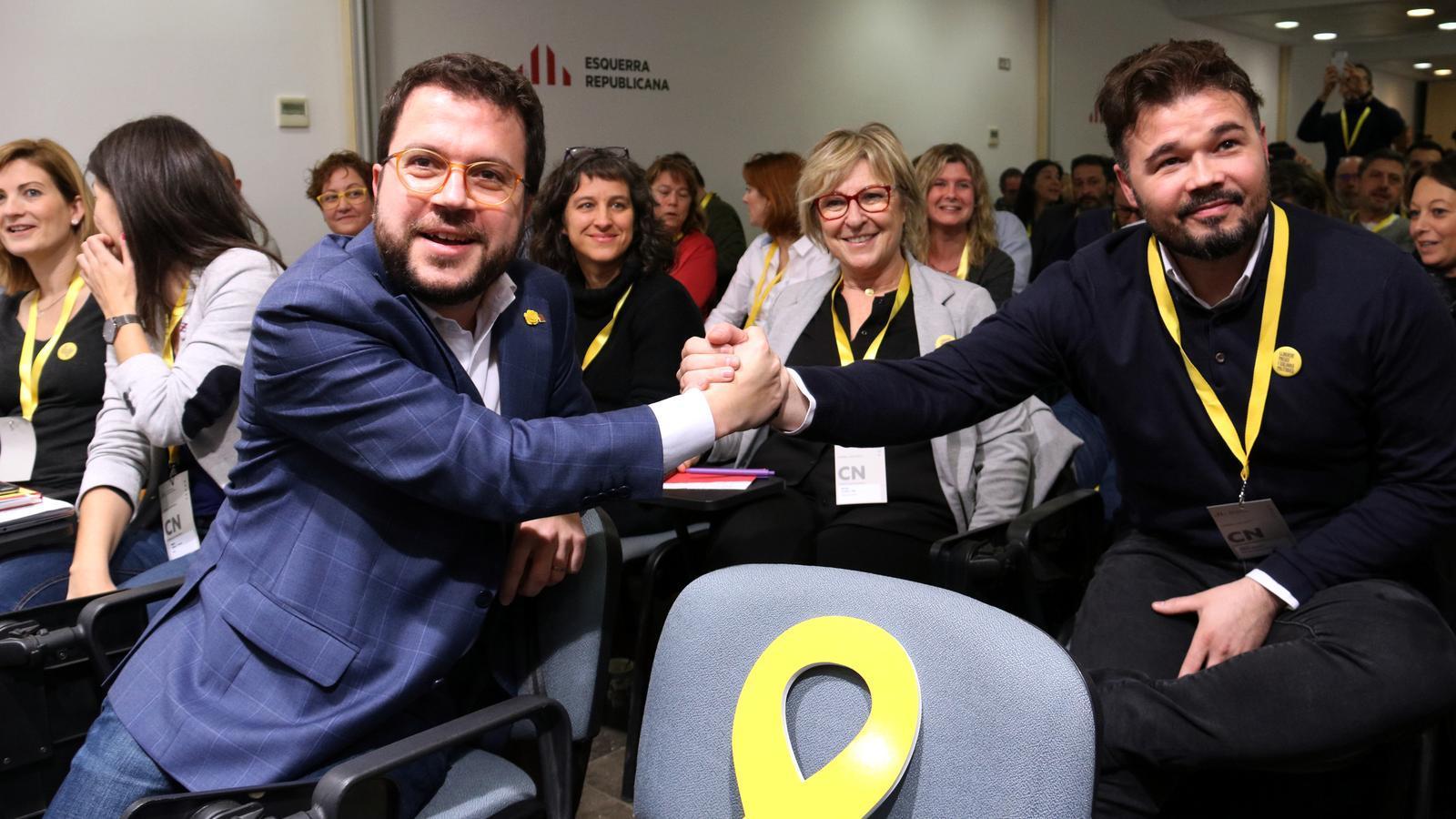 El consell nacional d'ERC valida el pacte amb el PSOE i Sánchez serà investit president