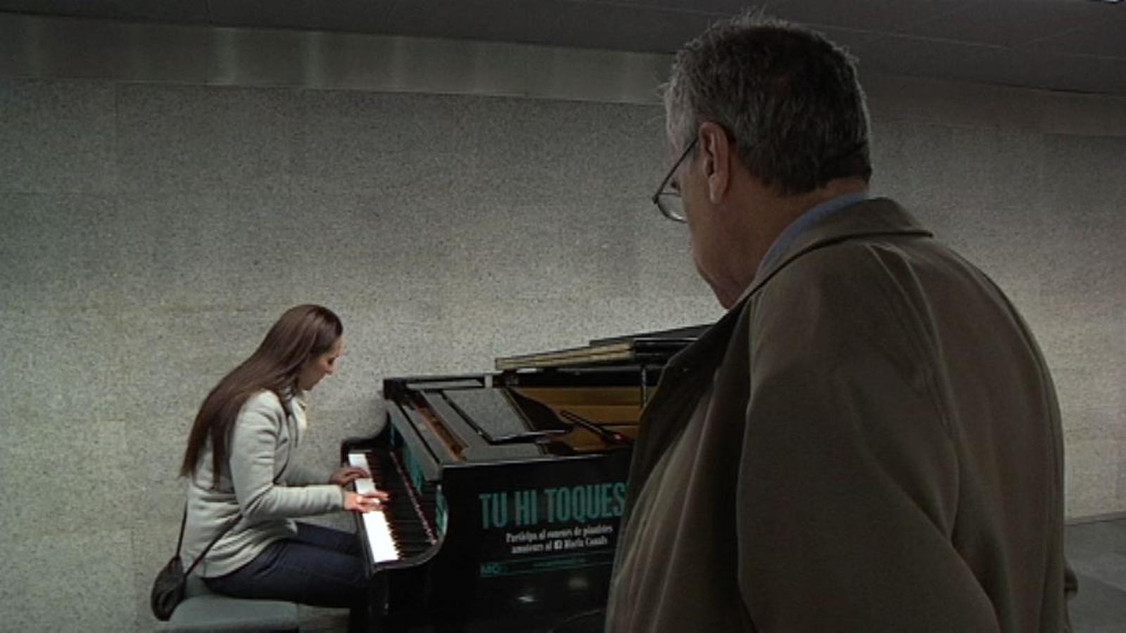 Comença el Concurs Maria Canals: Trobar un piano al metro és un miracle