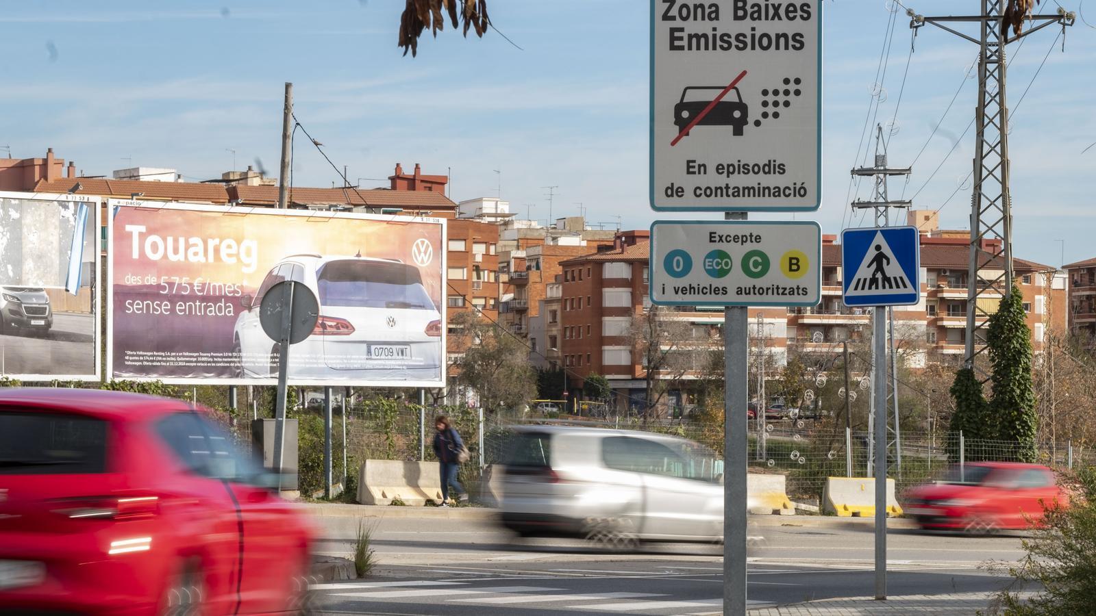 La senyalització de la Zona de Baixes Emissions de Barcelona