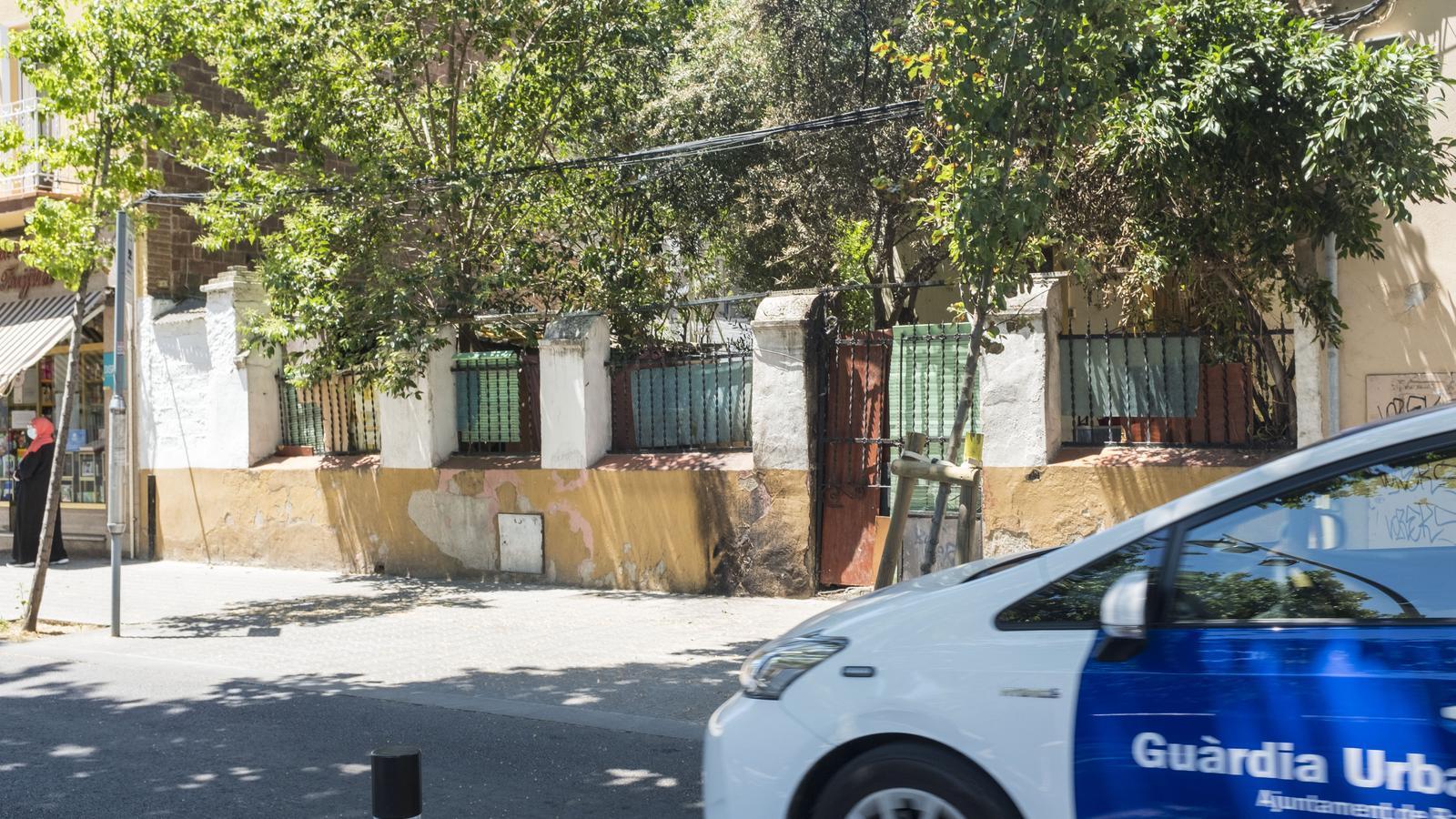 L'ocupació d'una casa tensa la relació veïnal a la Trinitat Vella