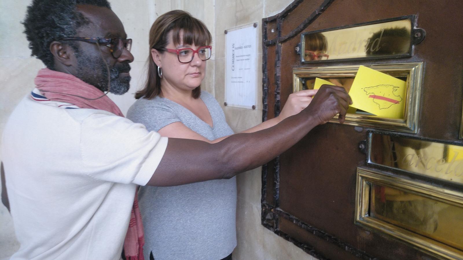 Balboa i Busquets envien postals de suport i solidaritat als presos polítics