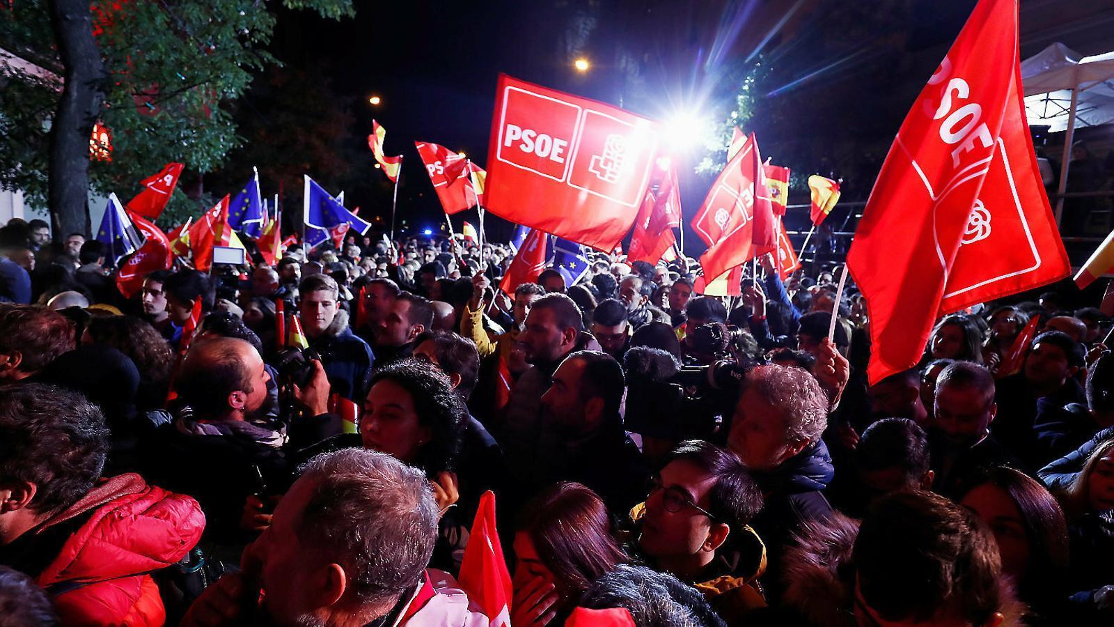 El PSOE ensopega i no millora resultats