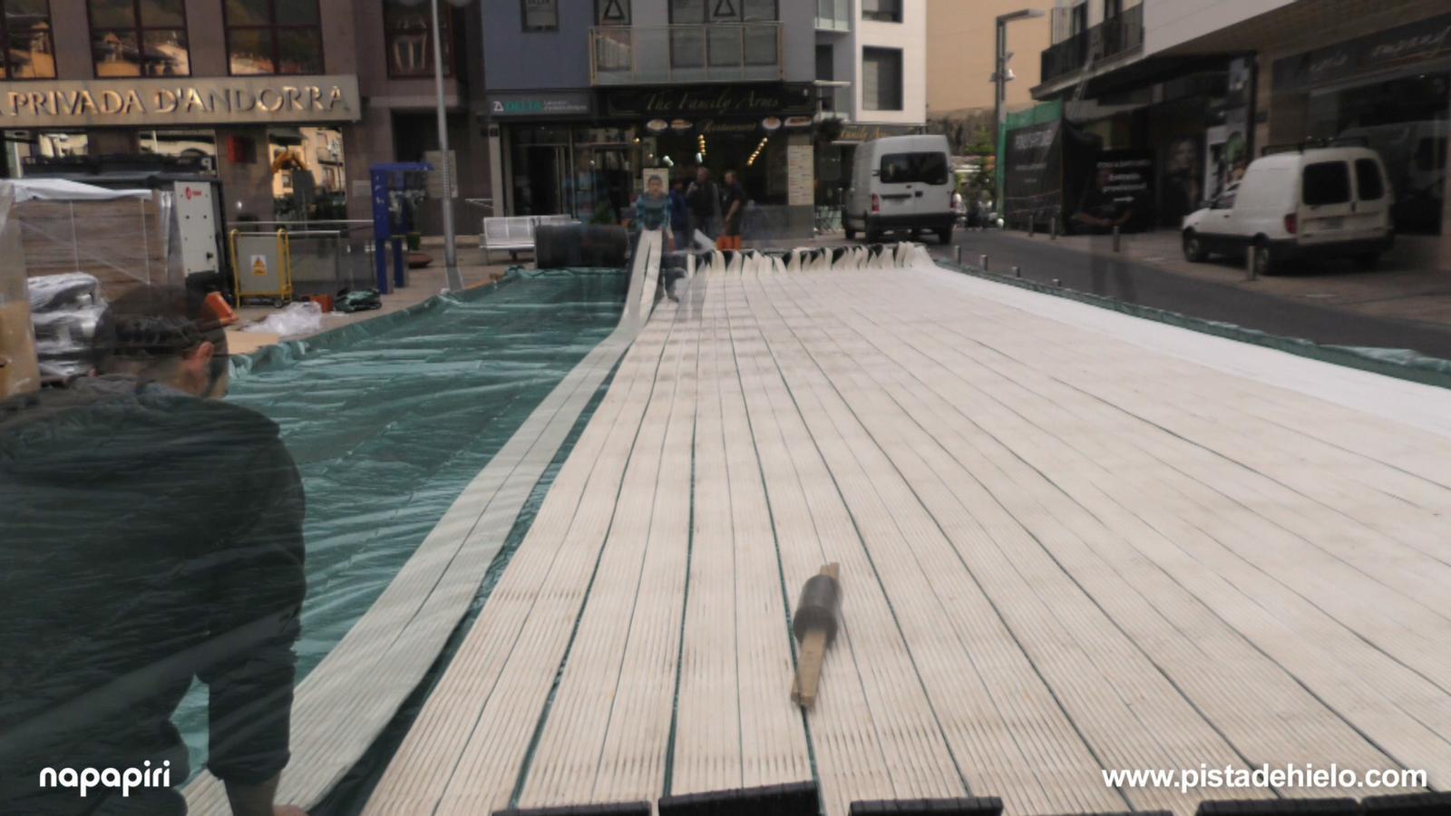 Descobreix les interioritats de la pista de gel d'Andorra la Vella