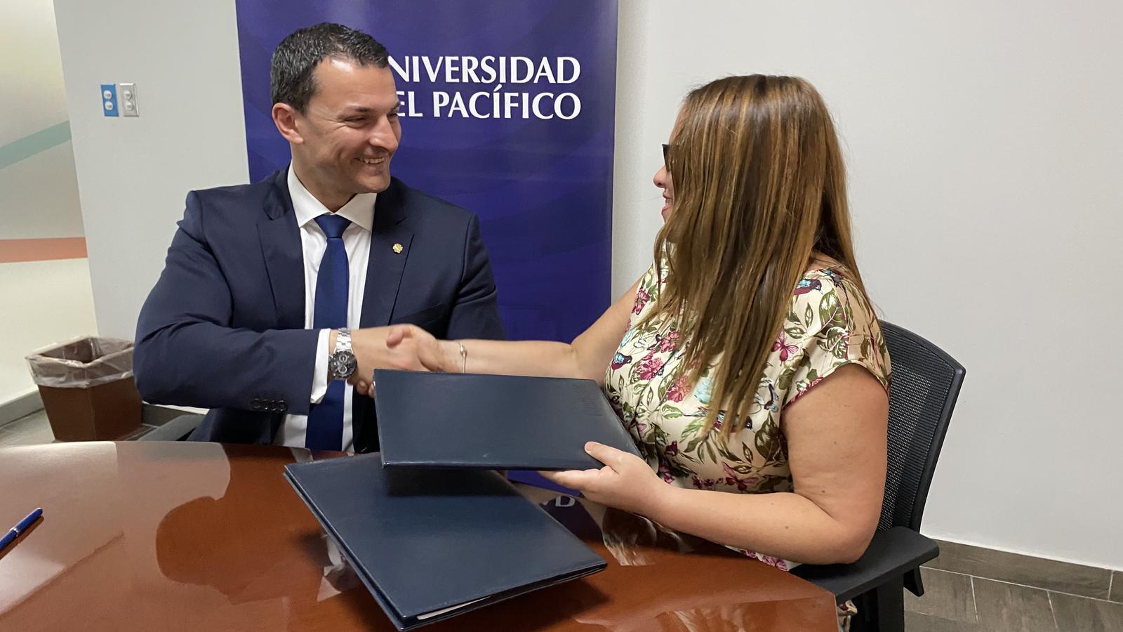 Gallardo i Rodríguez tanquen l'acord de col·laboració. / ACTUA
