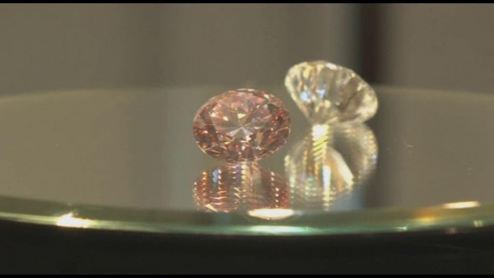 Subhasten un diamant rosa per uns 14 milions d'euros a Hong Kong