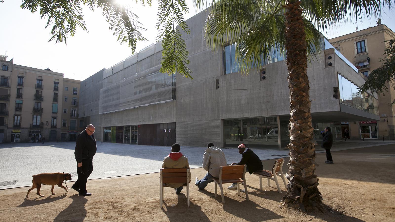 La falta de col·laboració entre la Generalitat i l'Ajuntament impedeix obrir la Filmoteca