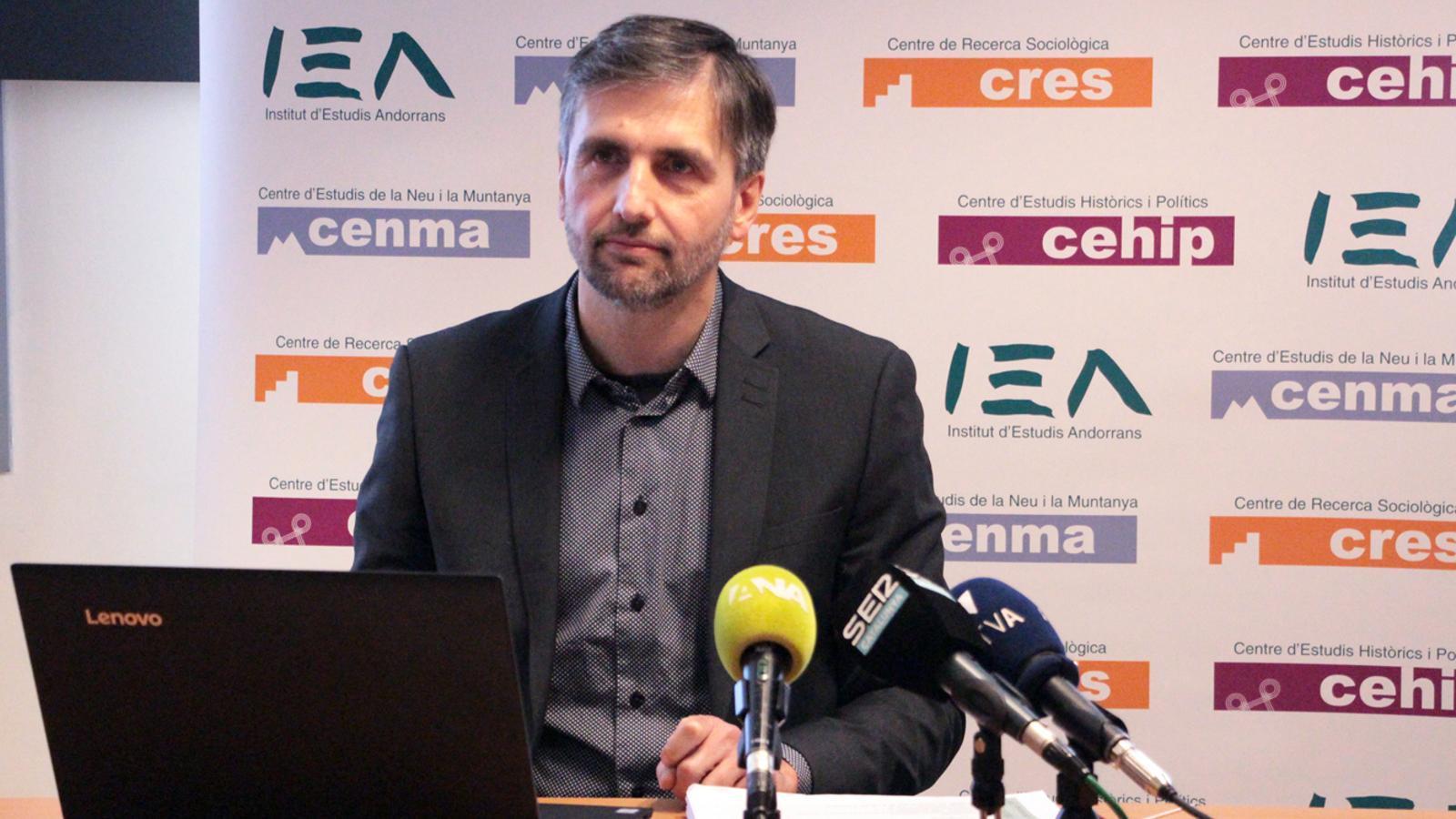 El director del CRES, Joan Micó, durant la presentació de l'Observatori del segon semestre del 2019. / M. P. (ANA)