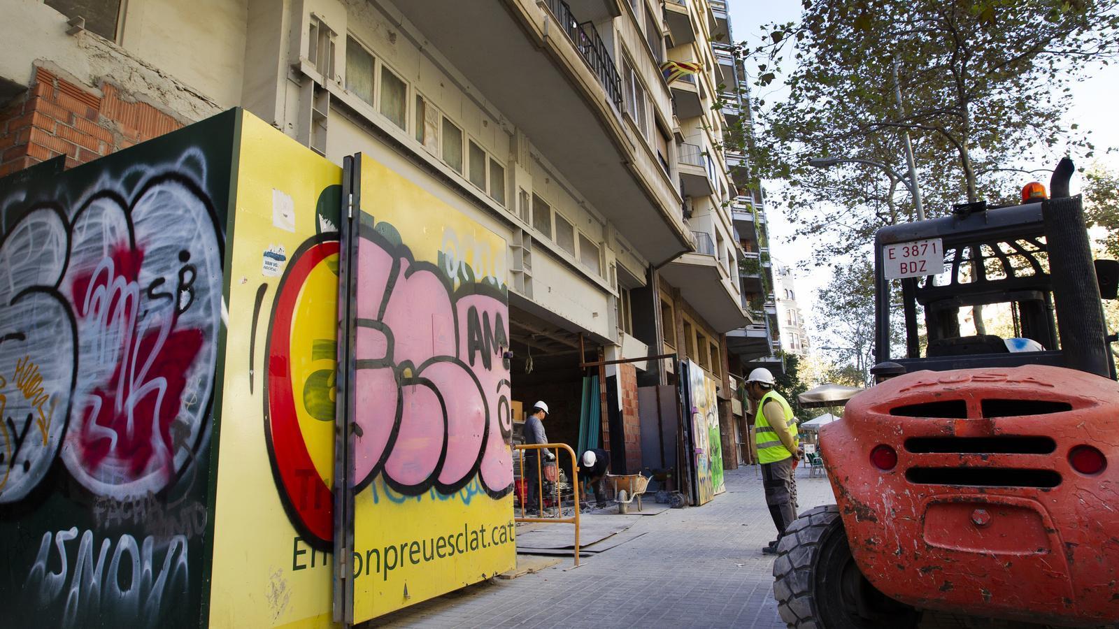 L'antic cinema Urgell de Barcelona reobrirà com a supermercat a final de mes